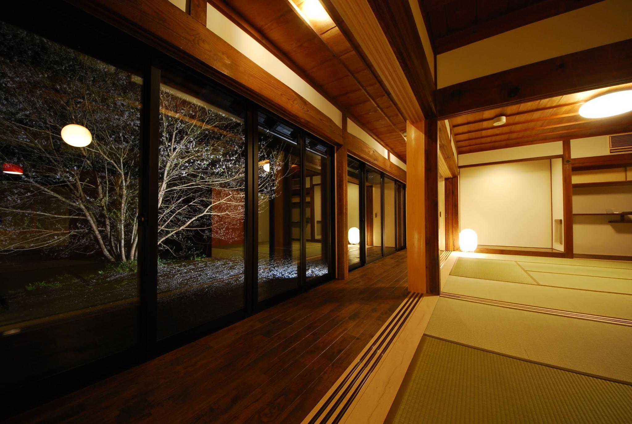 和室(16帖のお座敷)