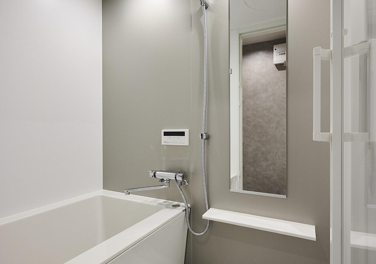 バスルーム☆鏡も大きく綺麗です!