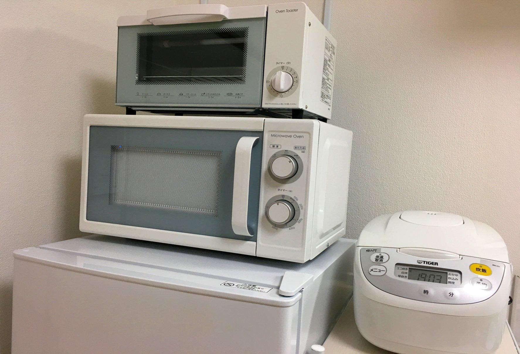 キッチン・電子レンジとオープントースターなど