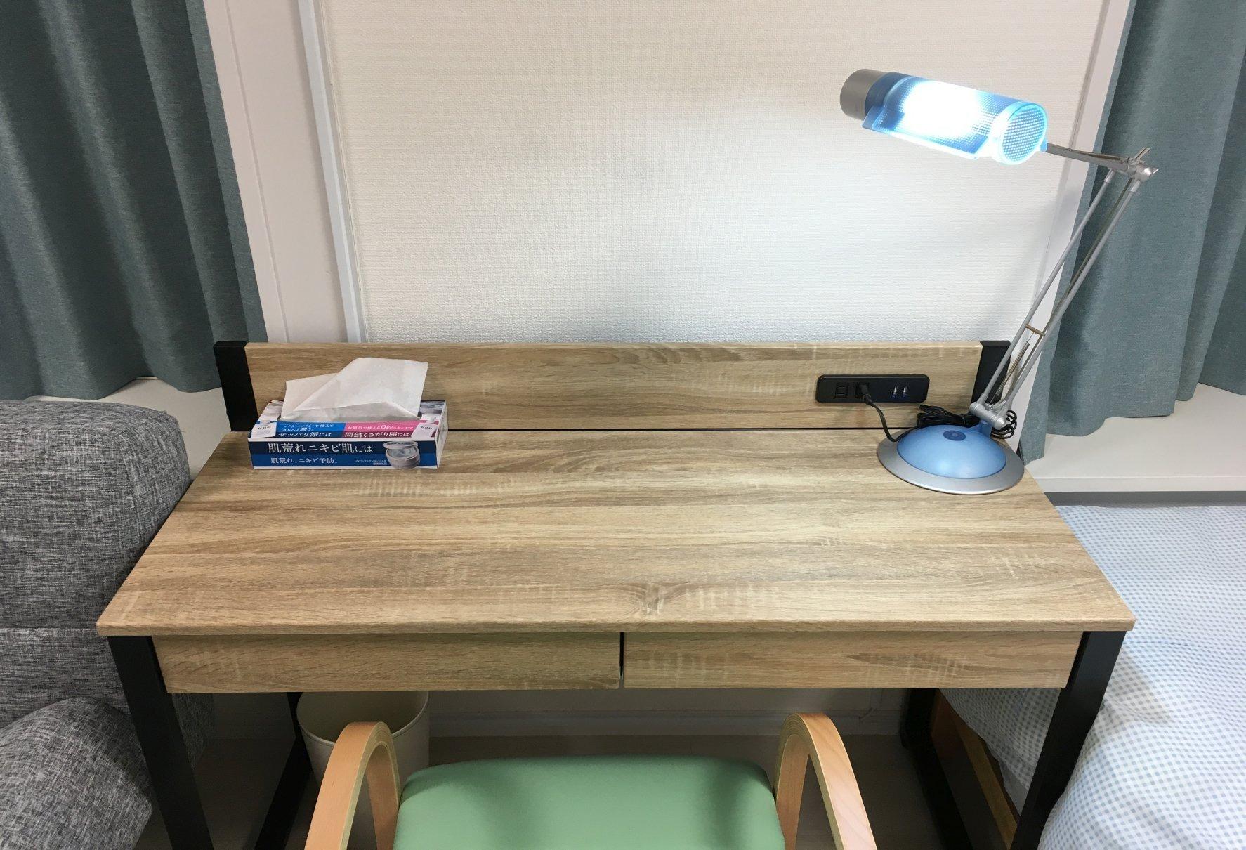 洋室・机と椅子