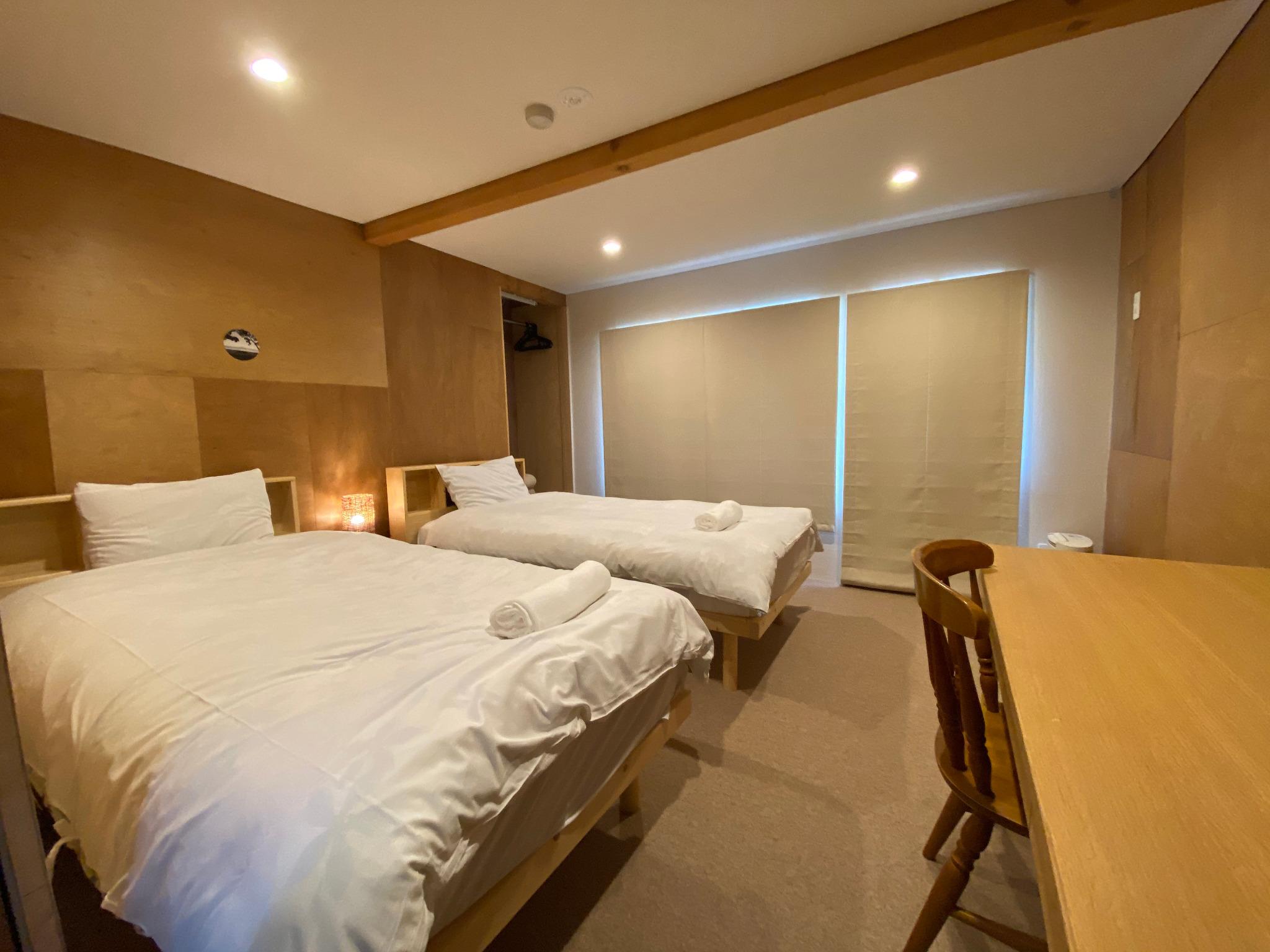 Western 2 Singles Bedroom 1st Floor