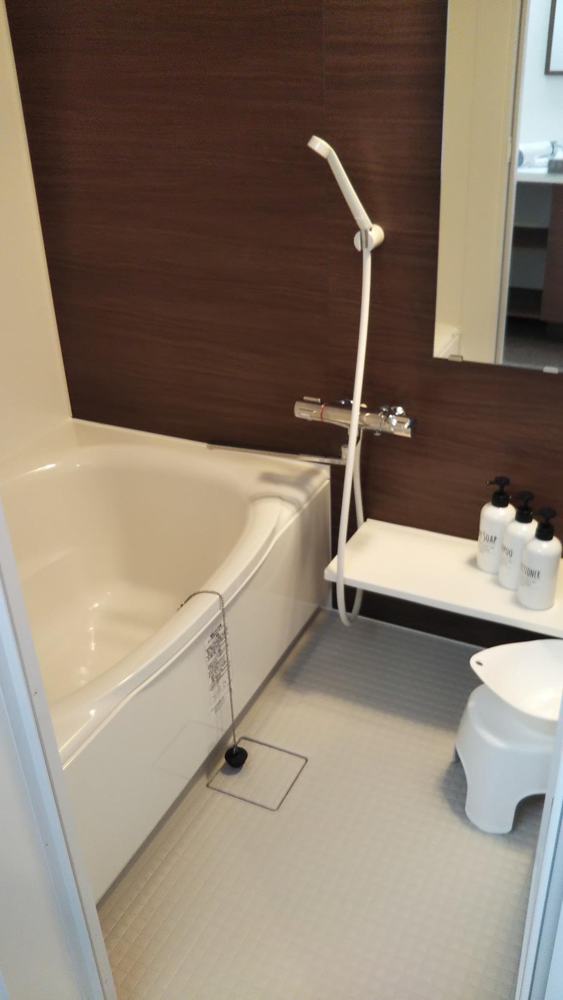 浴室はバスタブと洗い場が分かれています