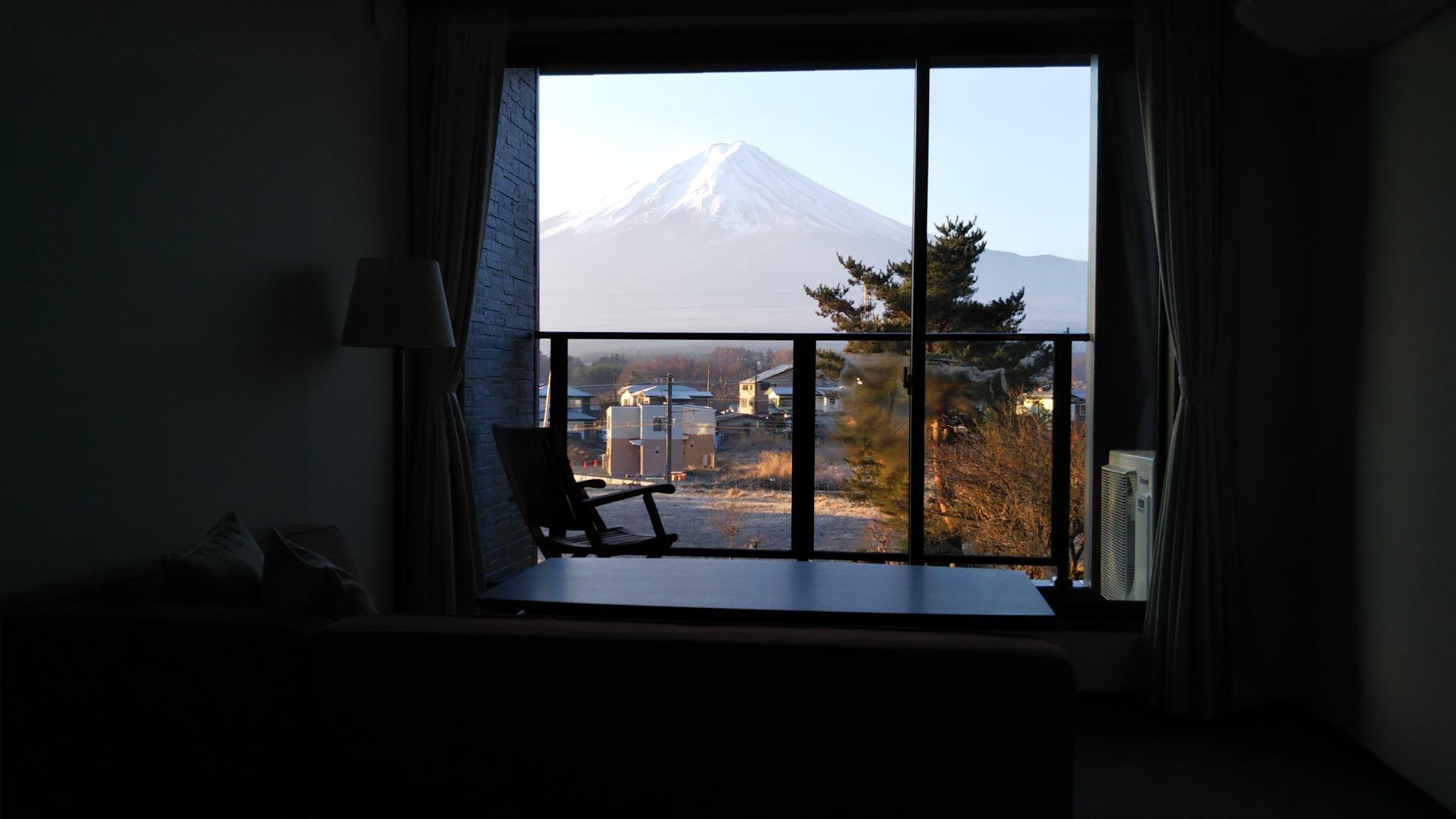 晴れた日には全ての客室から富士山が見えます。