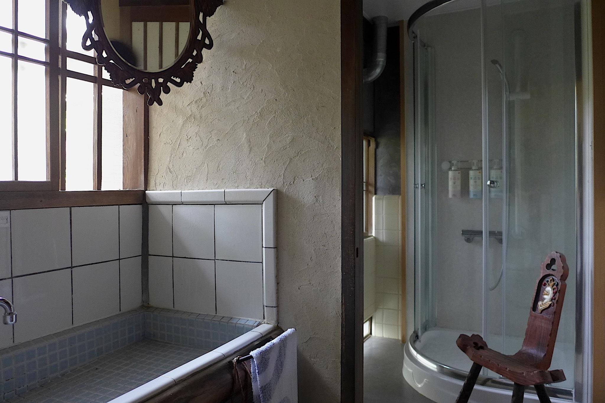 トイレ&シャワールーム(1)