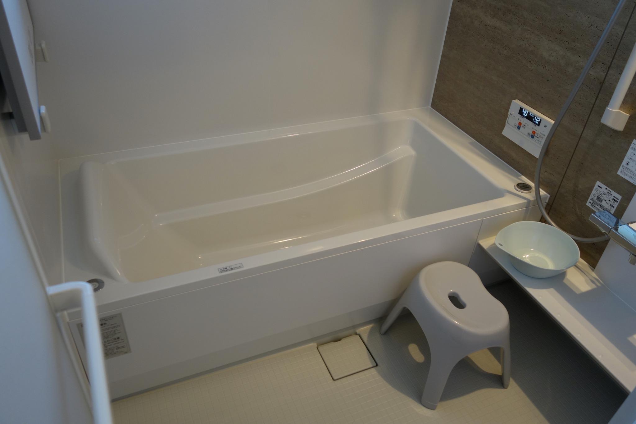 2F バスタブ付きバスルーム