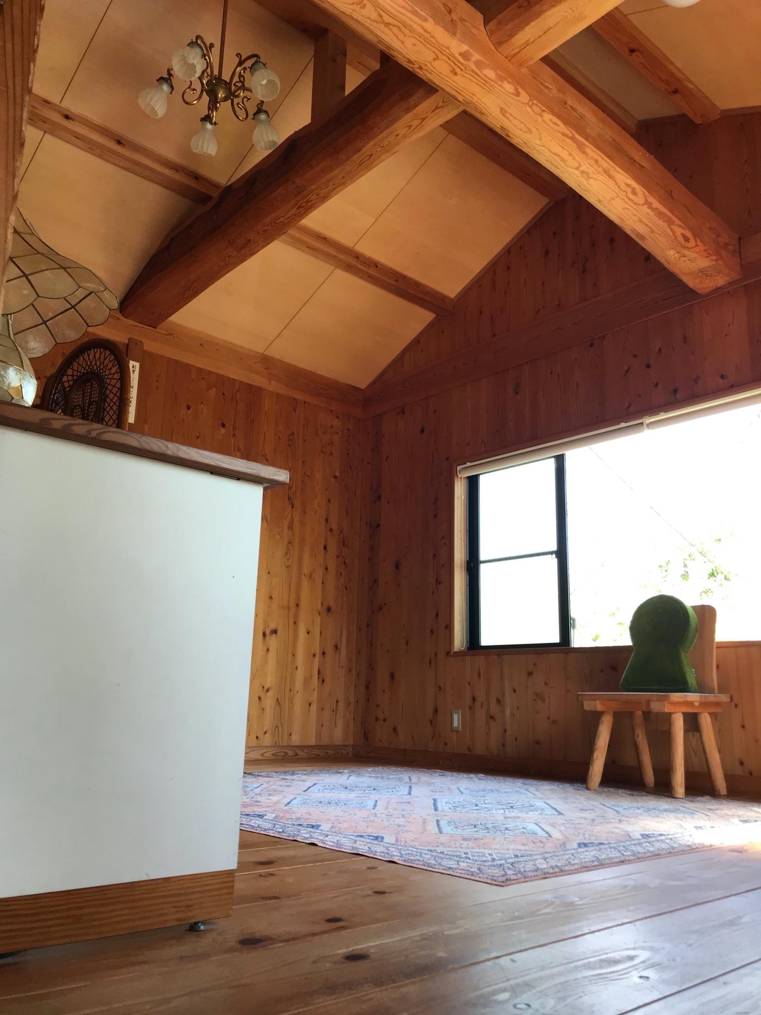 八畳の洋室・4人部屋