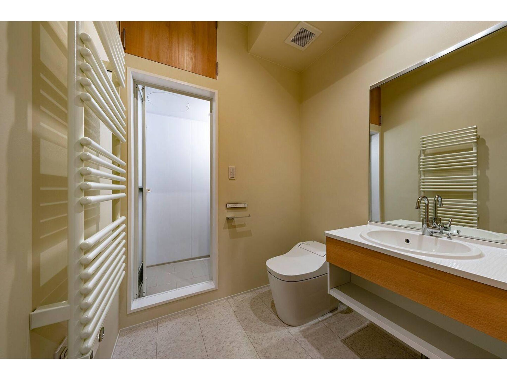 寝室2のトイレ・バスルーム