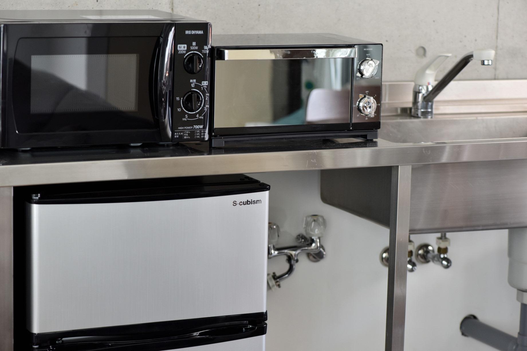 冷蔵庫、電子レンジ、トースター