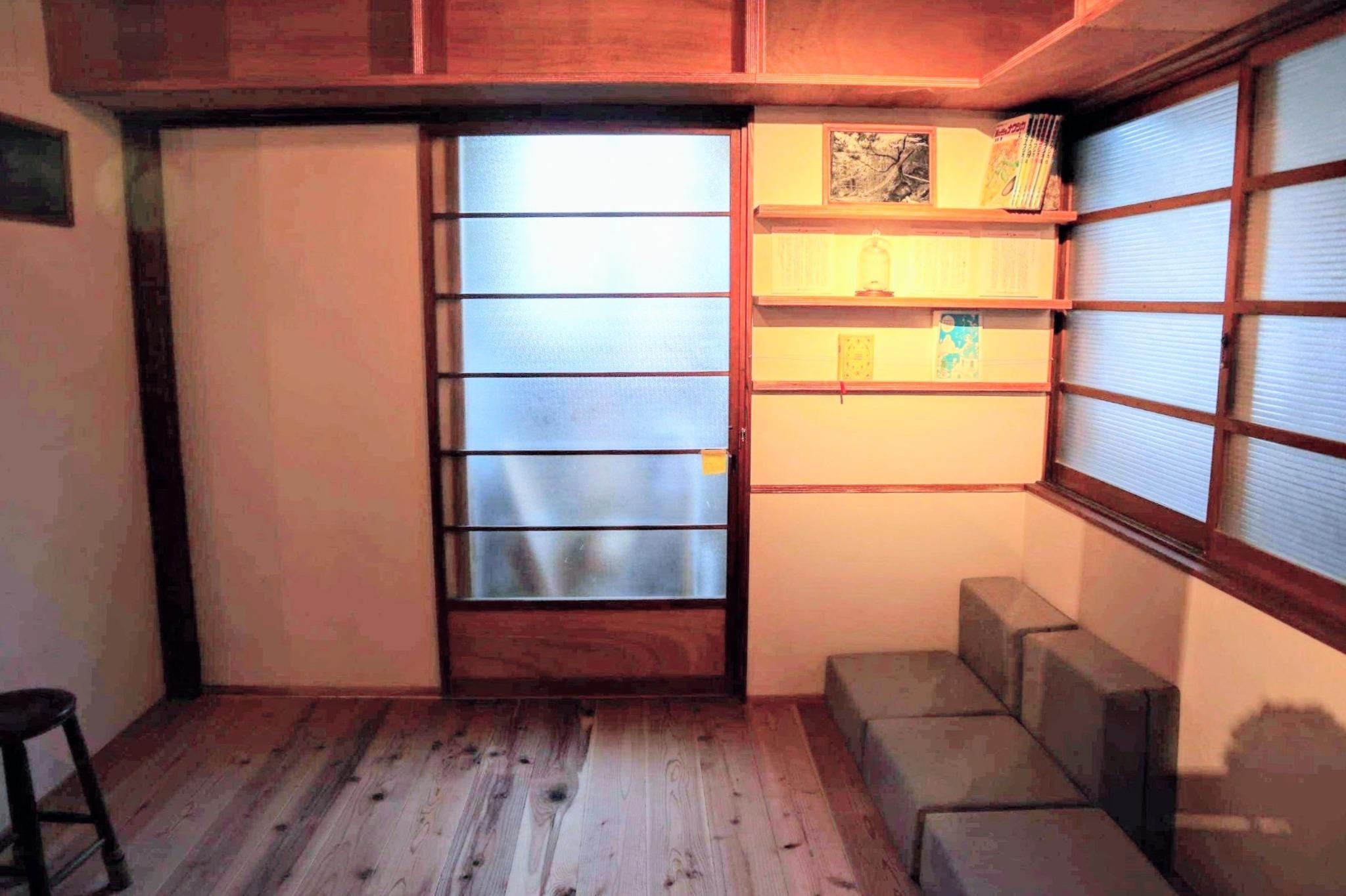 1階リビングスペース 兼 寝室