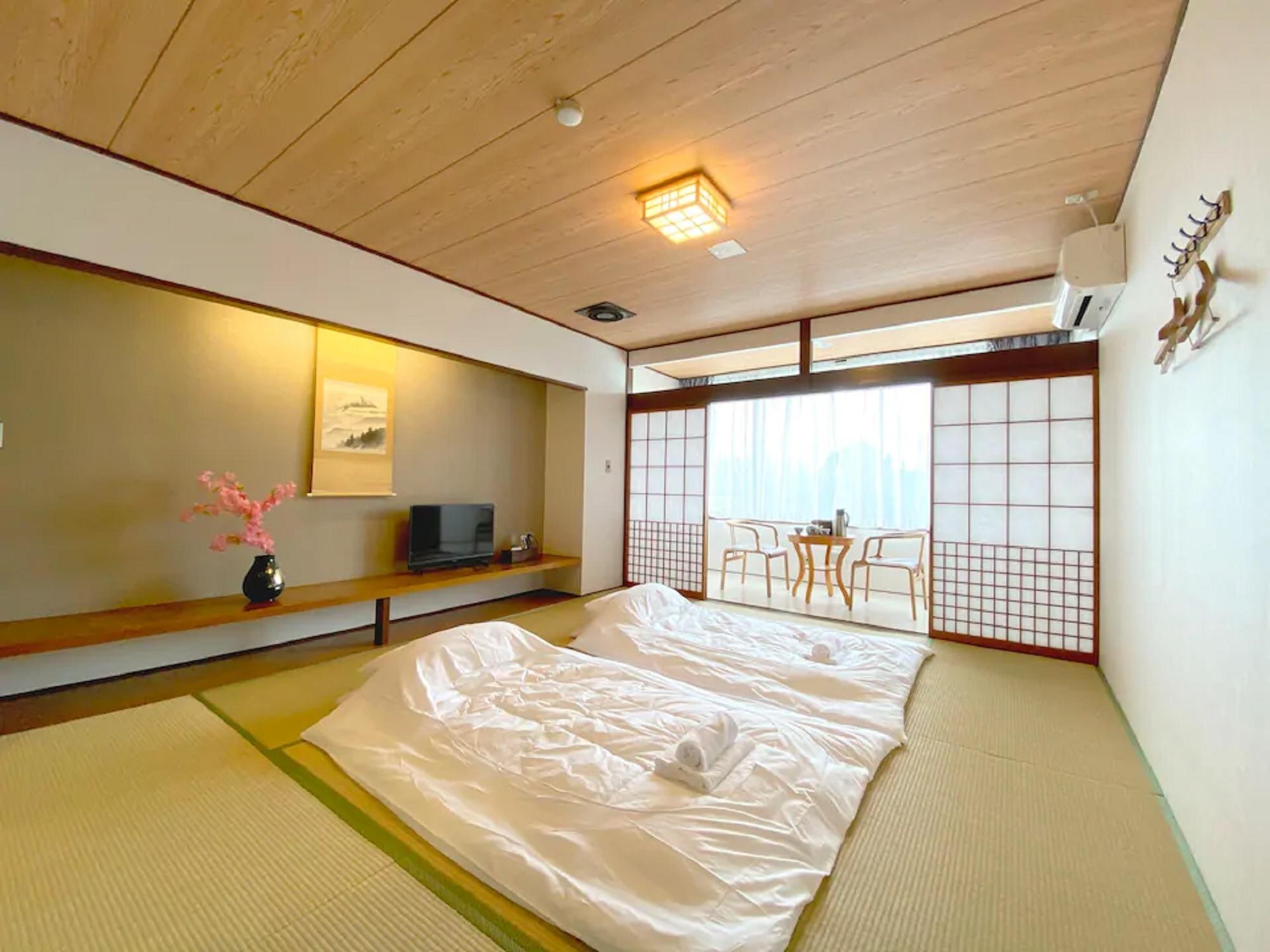 山中湖畔まで2分!富士山を望む屋上♪BBQ可能★家族★グループ合宿★B96-2