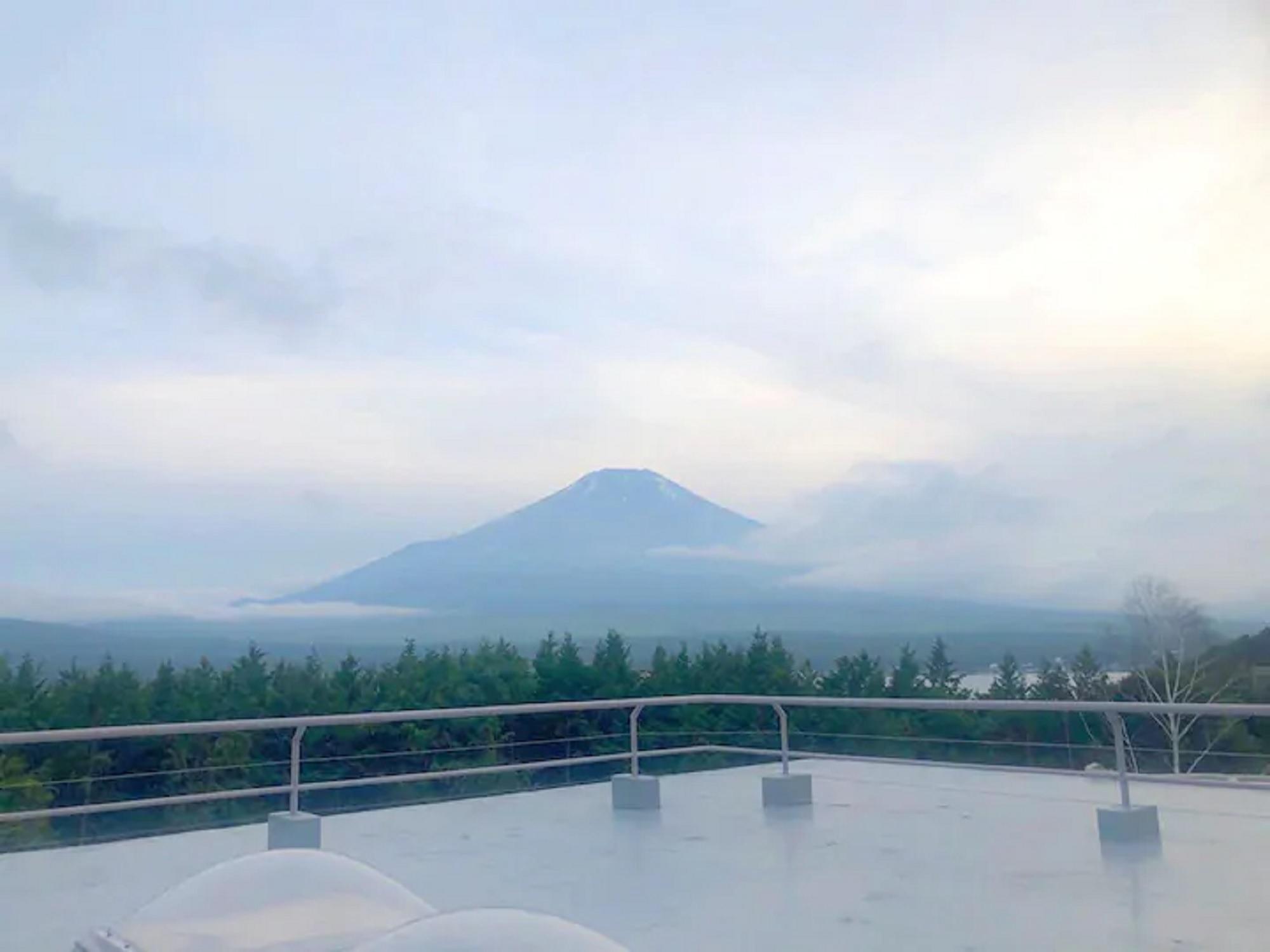 山中湖畔まで2分!富士山を望む屋上♪BBQ可能★家族★グループ合宿★B96-8