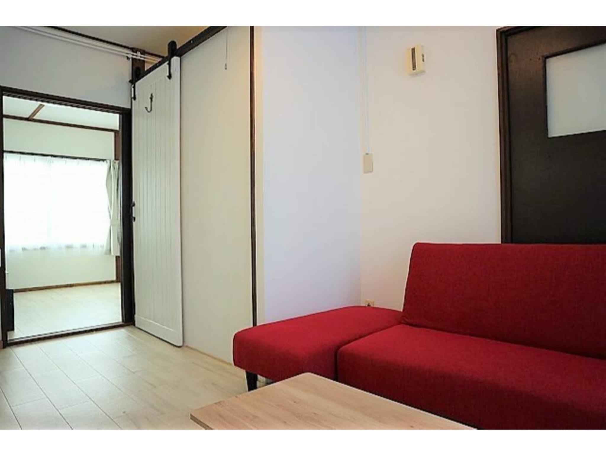札幌都心まで約8分の格安施設♬白石区菊水エリア!リフォーム済みで美室です(101)