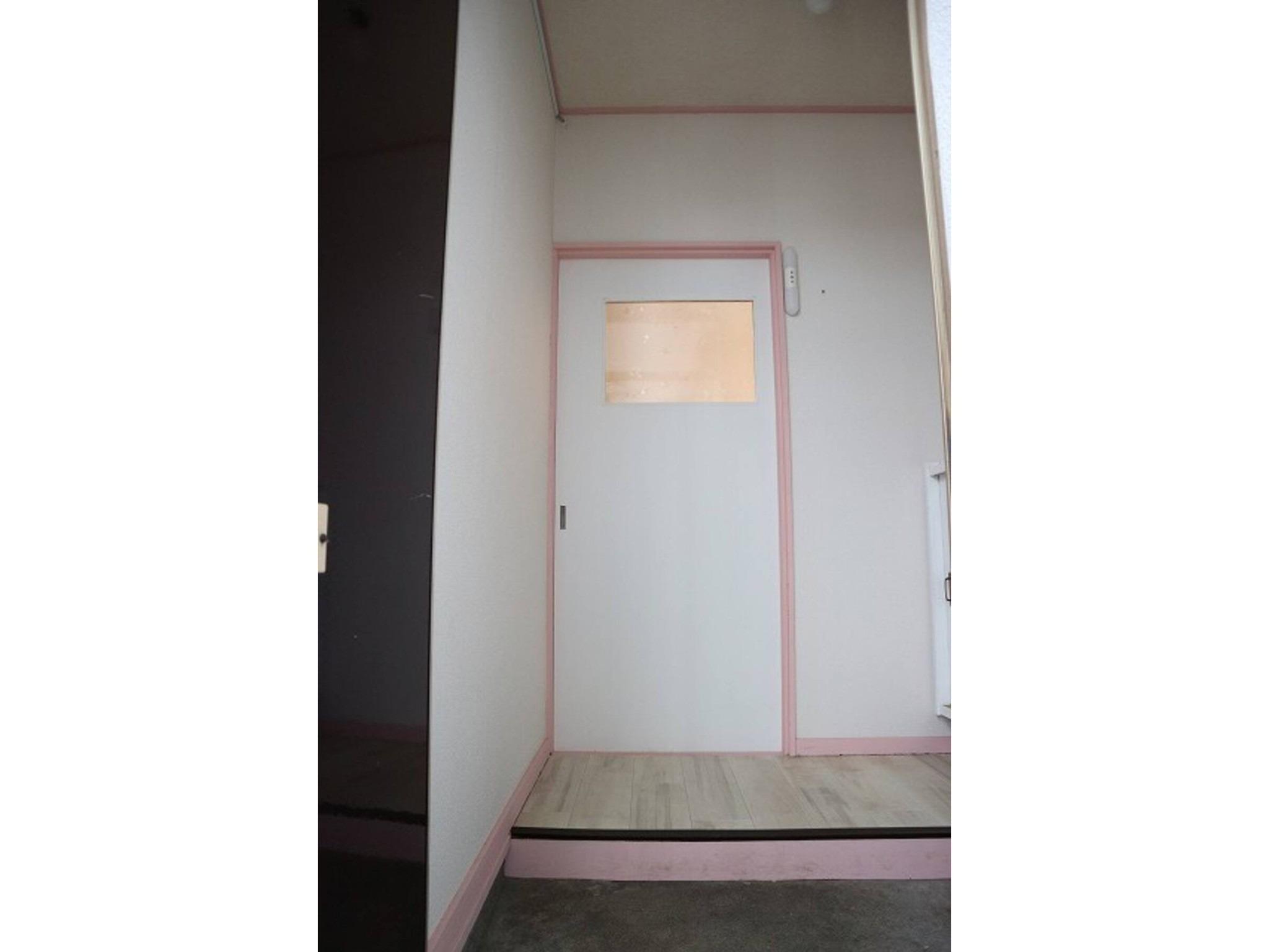 札幌都心まで約8分の格安施設♬白石区菊水エリア!リフォーム済みで美室です(201)