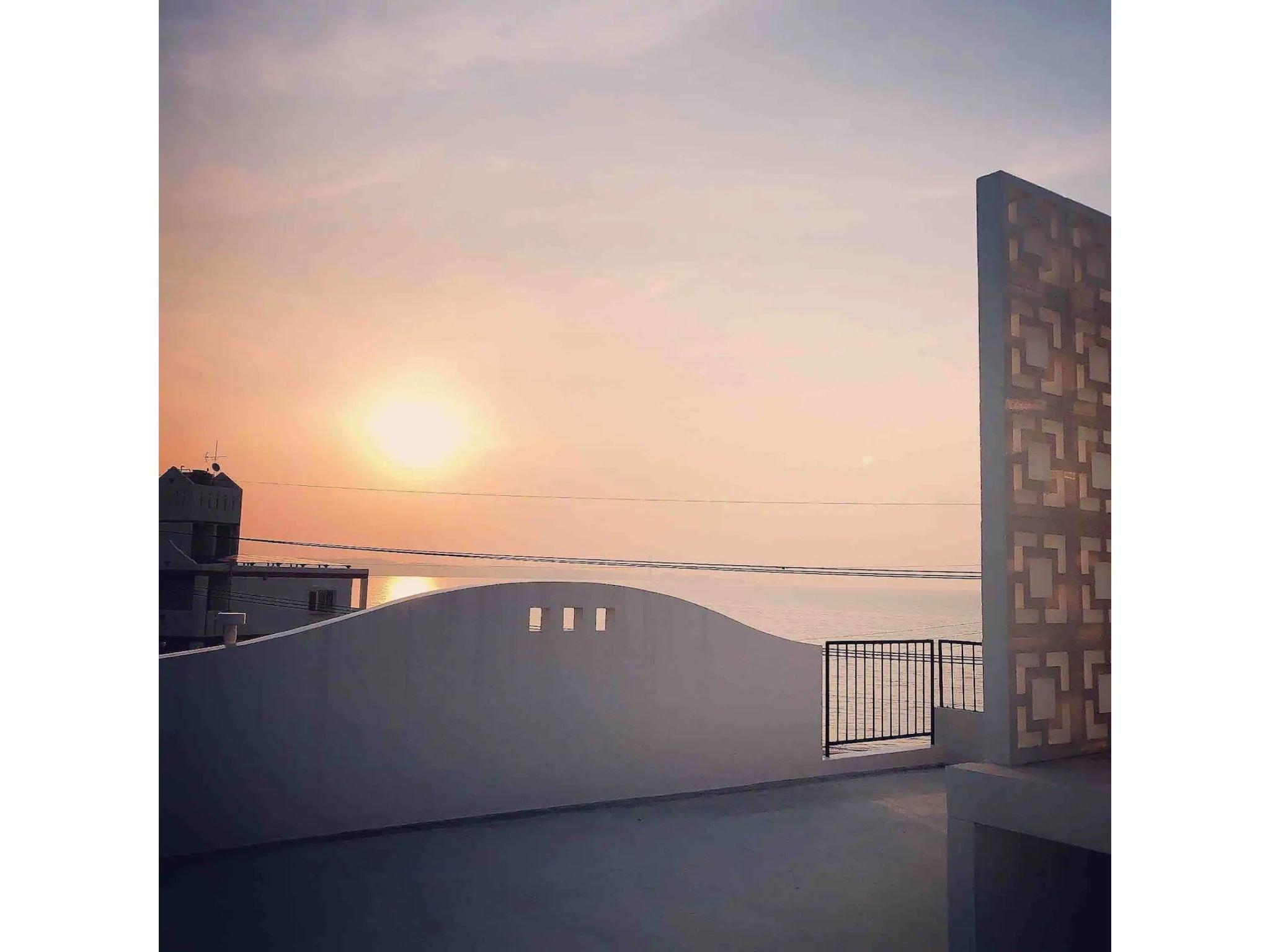 朝日が昇る海の近く2LDKのホテルです!(102)