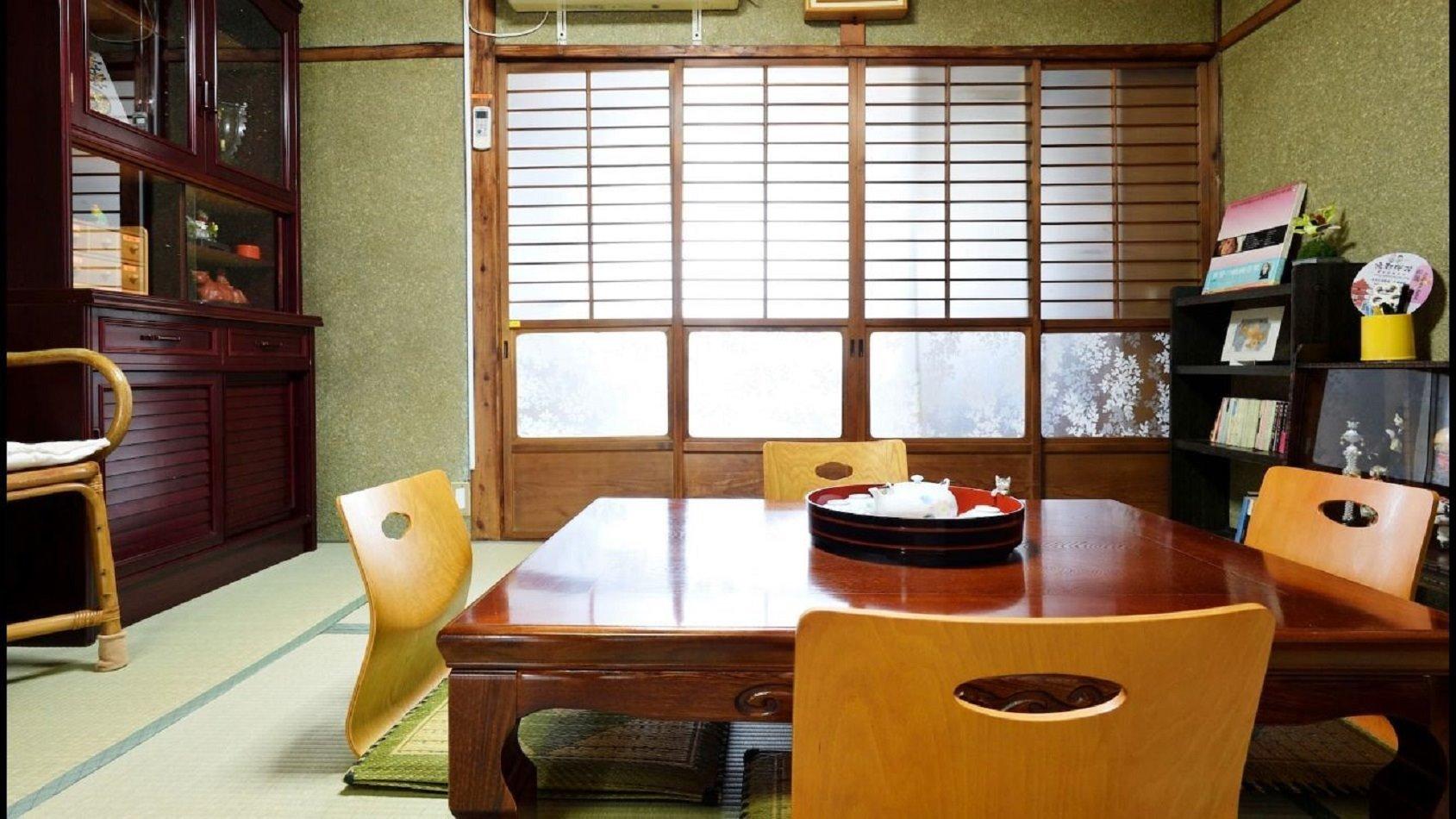 和室(畳)+洋間(ベッド)