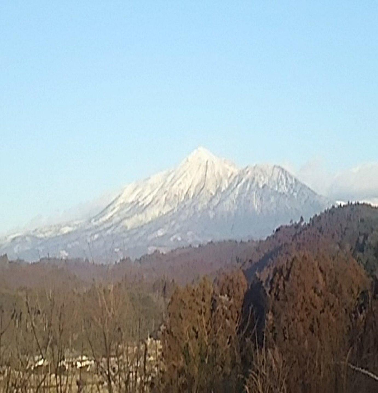冬には霧島山の雪景色が観れることも