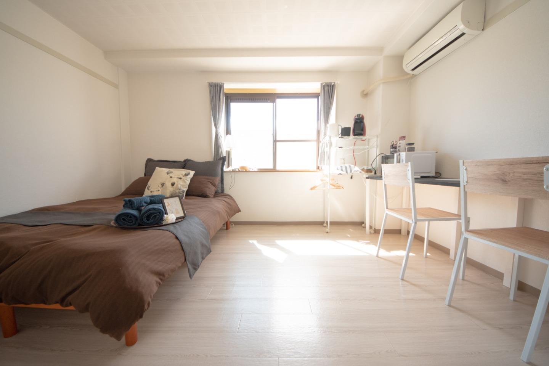 エキチカ!穏やかな自然光が差し込むワンルームのお部屋。