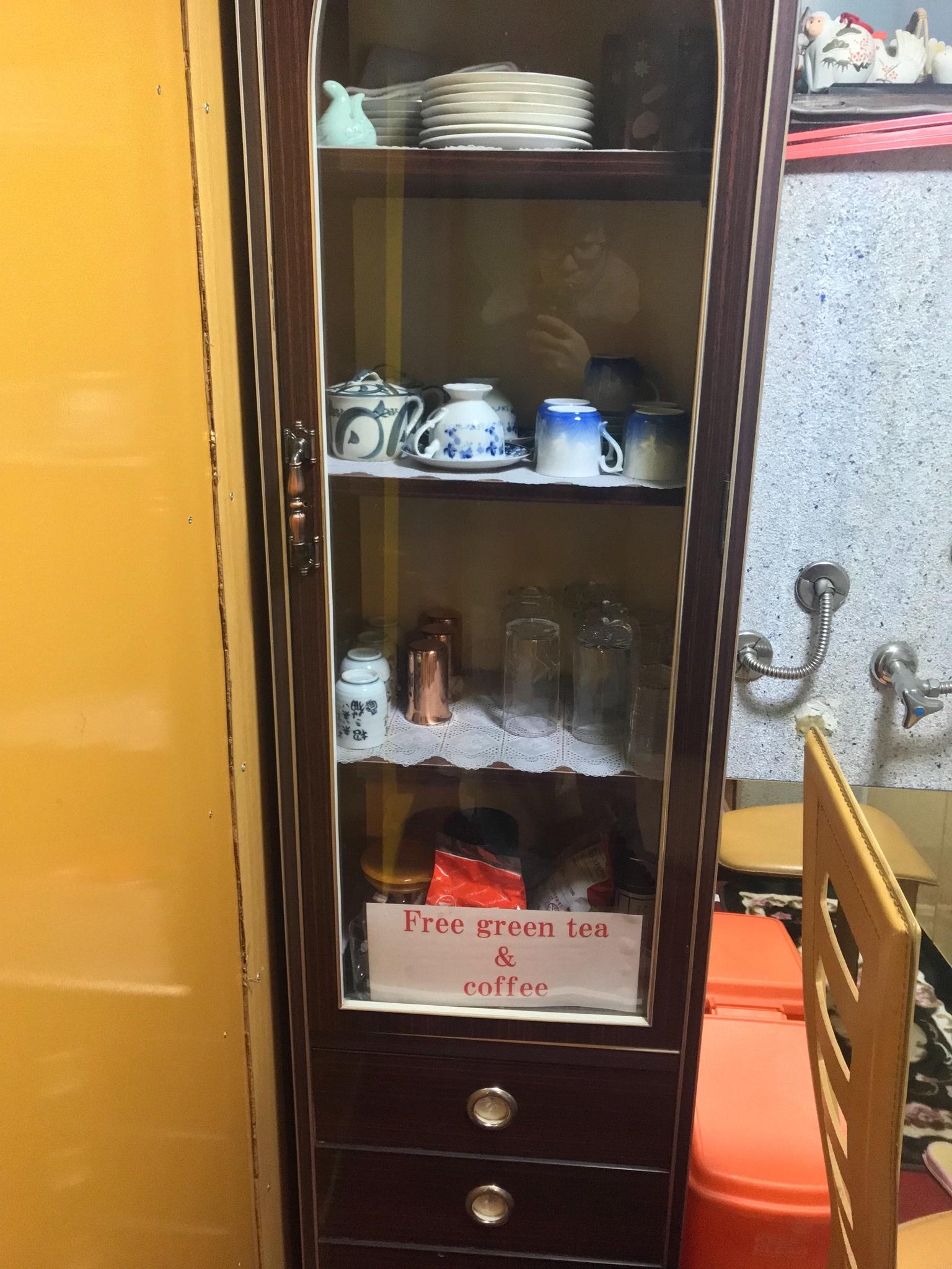 Cupboard  食器棚