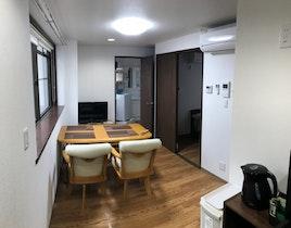 2階広々コンドミ二アム。羽田空港より30分。最寄り駅3分施設全景