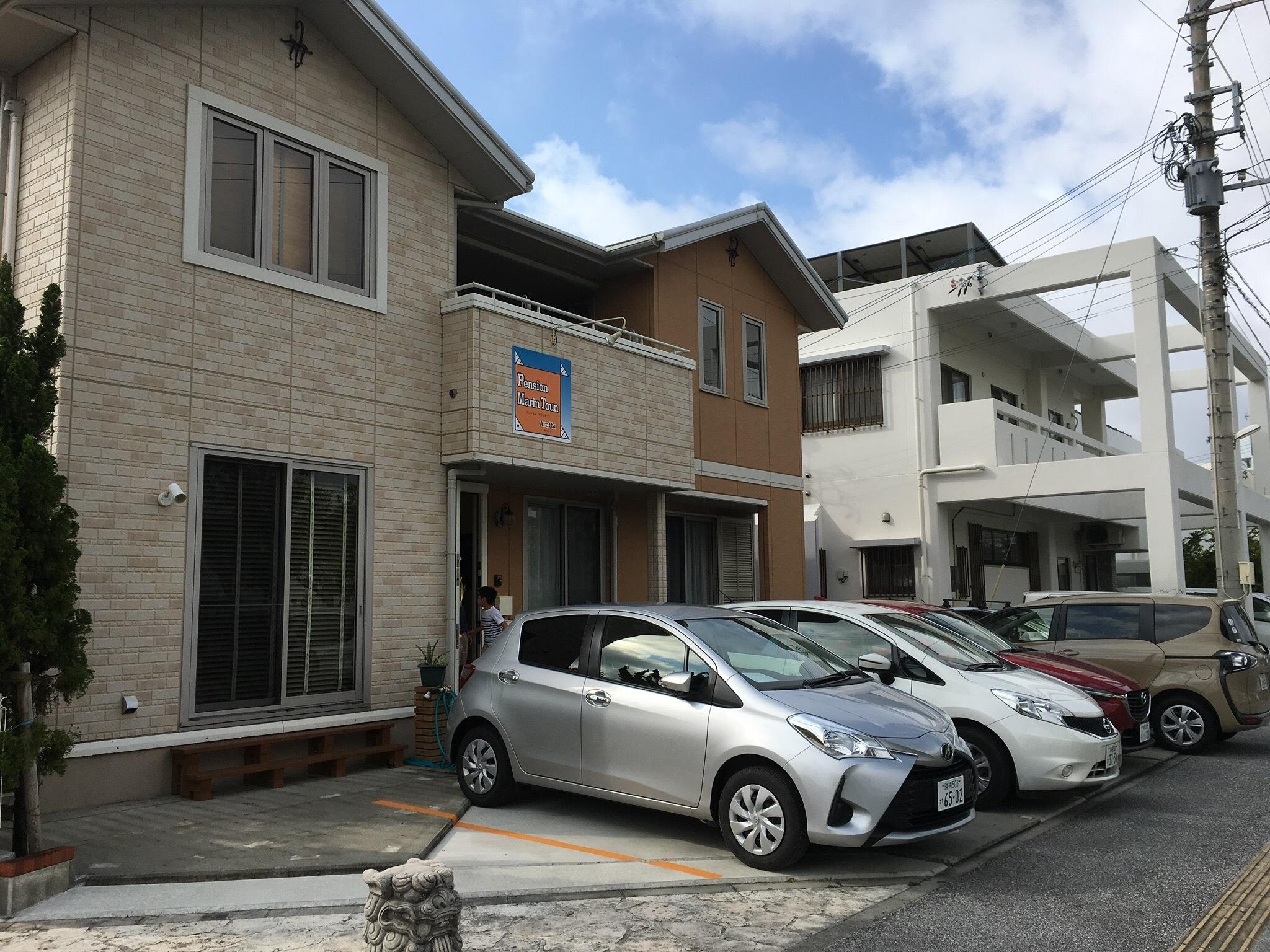 各お部屋専用駐車場あり。