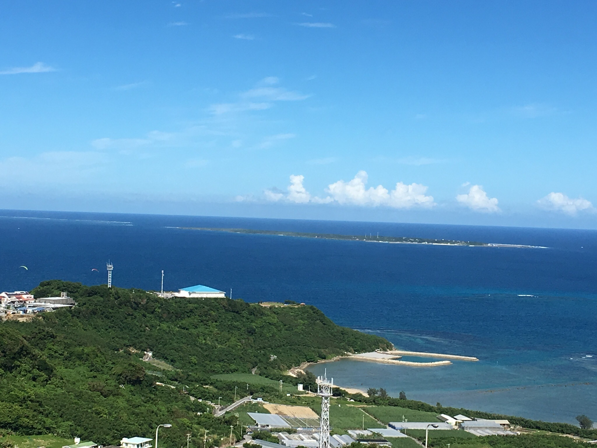 久高島の眺め ニライカナイ橋より