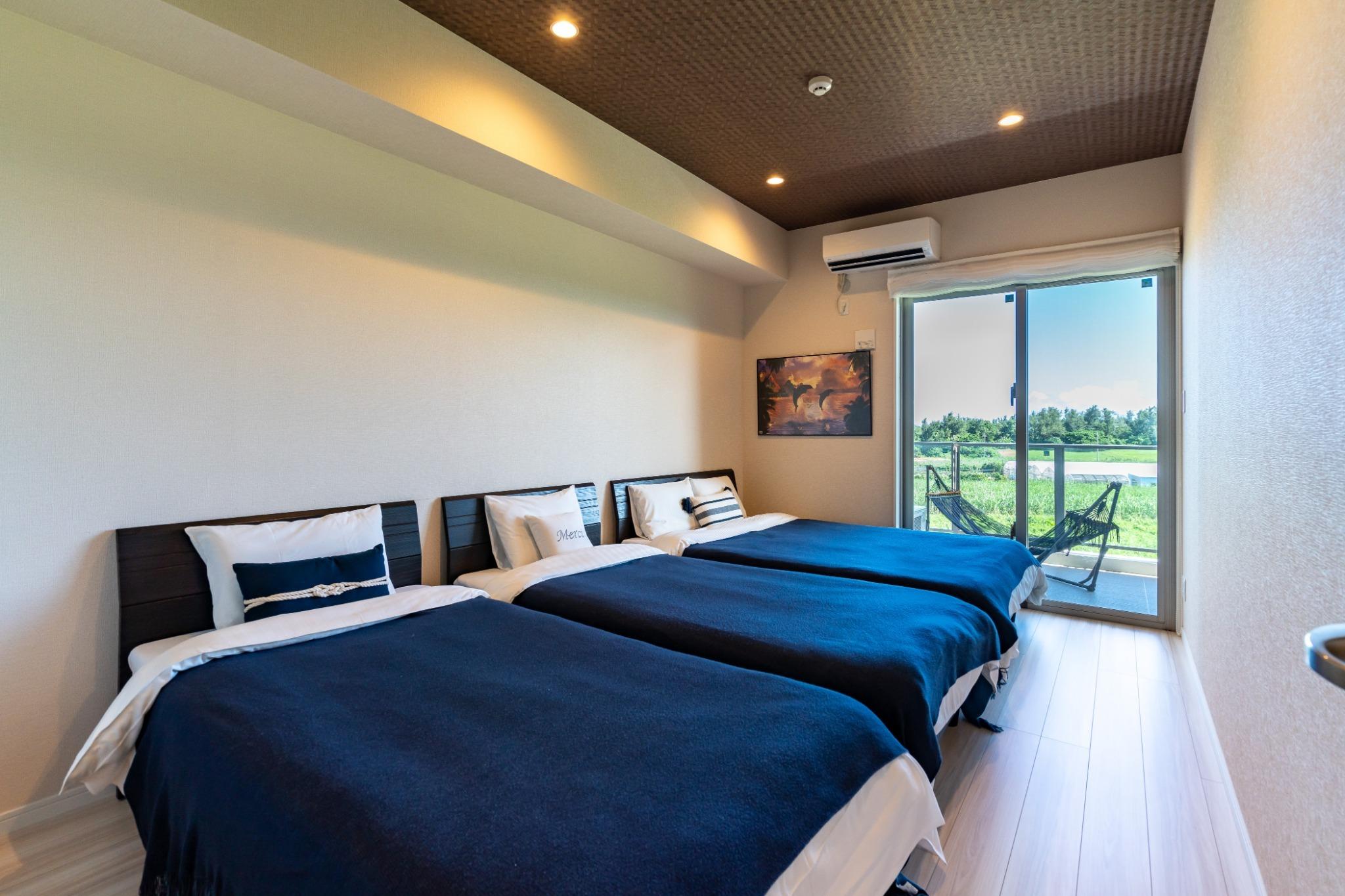 寝室!ダブルベッド、シングルベッド2台