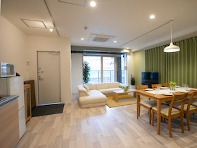 BIG ROOM GUEST HOUSE 施設全景