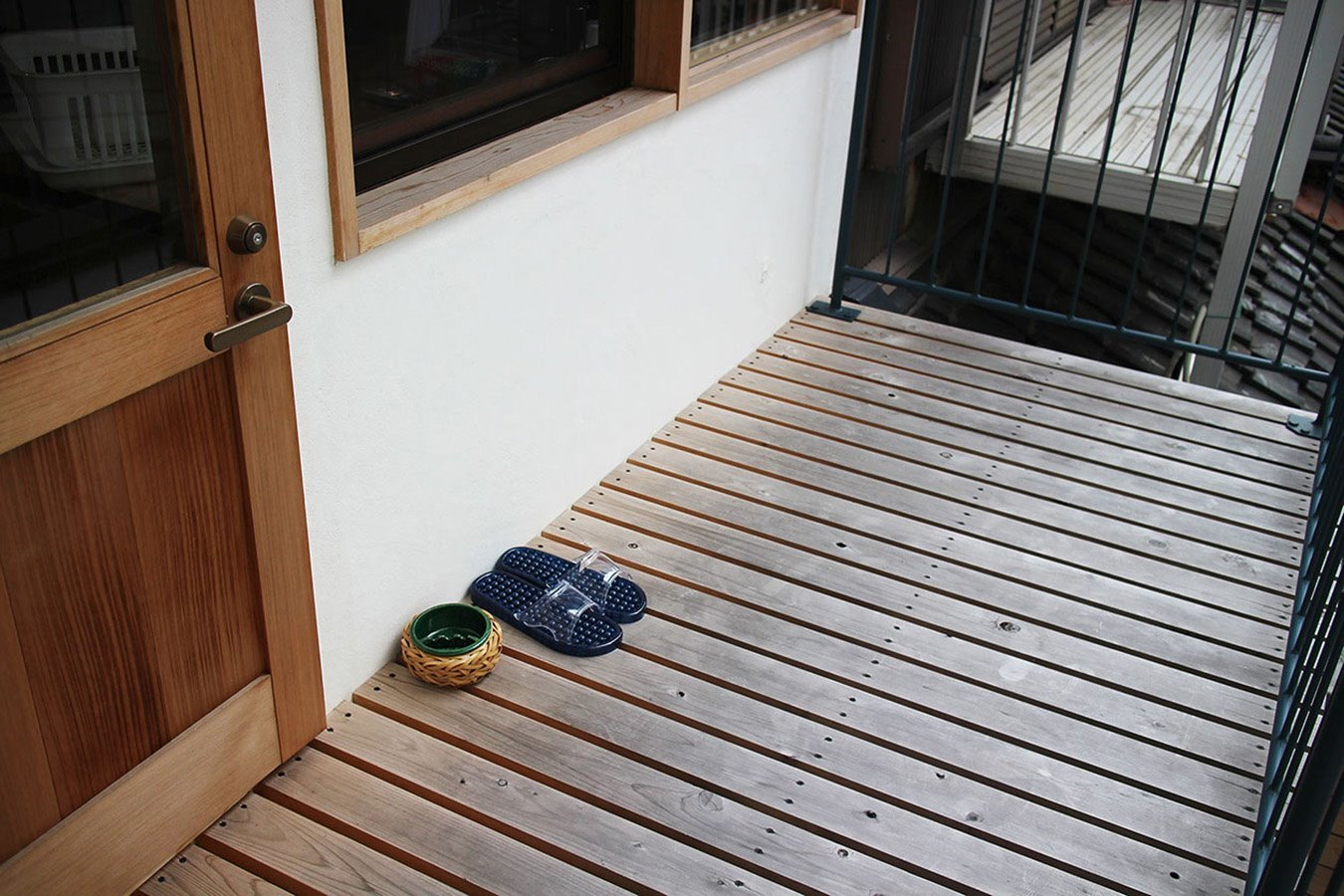 2F veranda