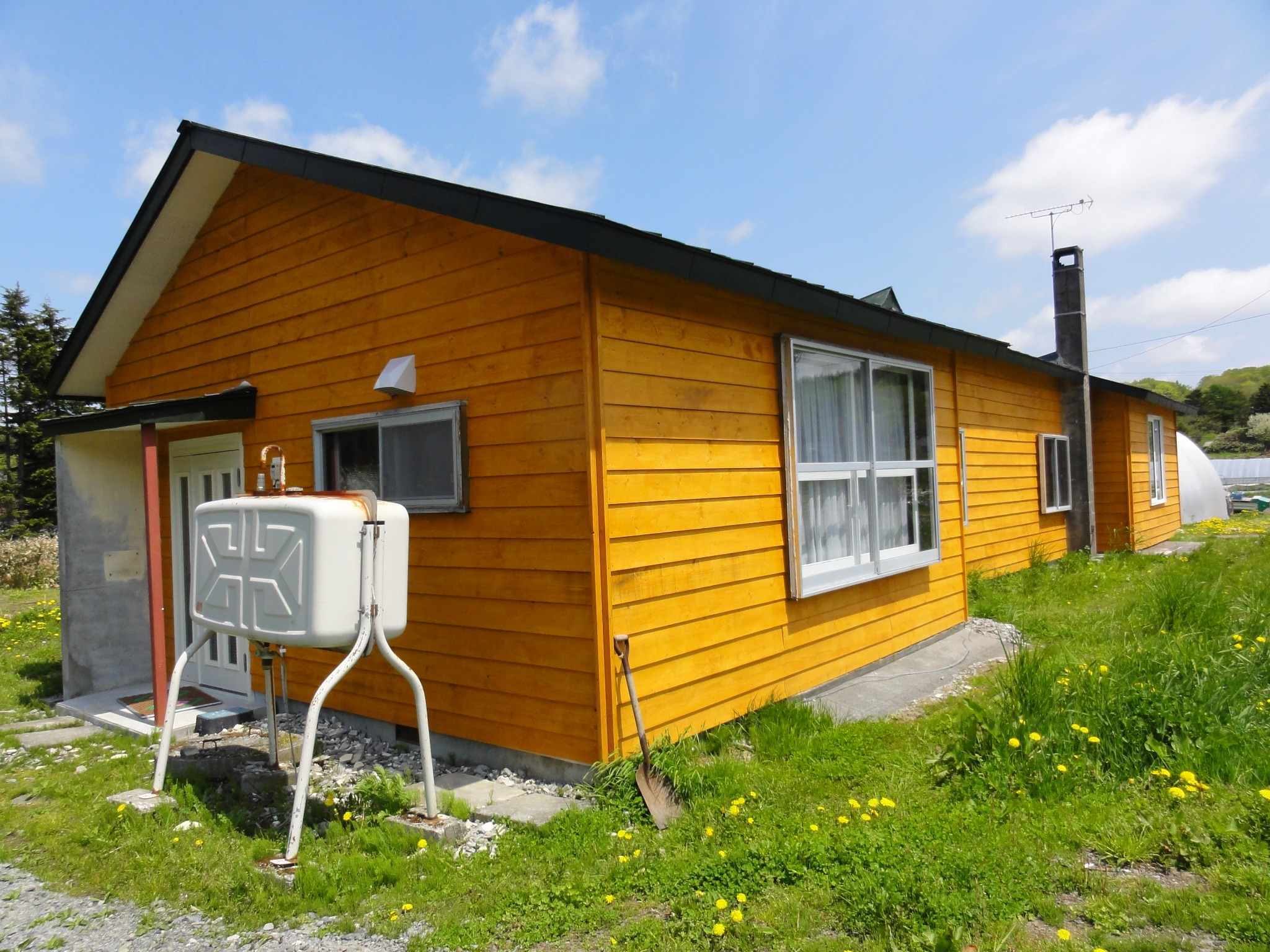 【Cottage】1 Kitchen + 1 Living room + 2 Bed room + Bathroom + toilet (with bidet functions). There are two kinds of cottages (A and B).