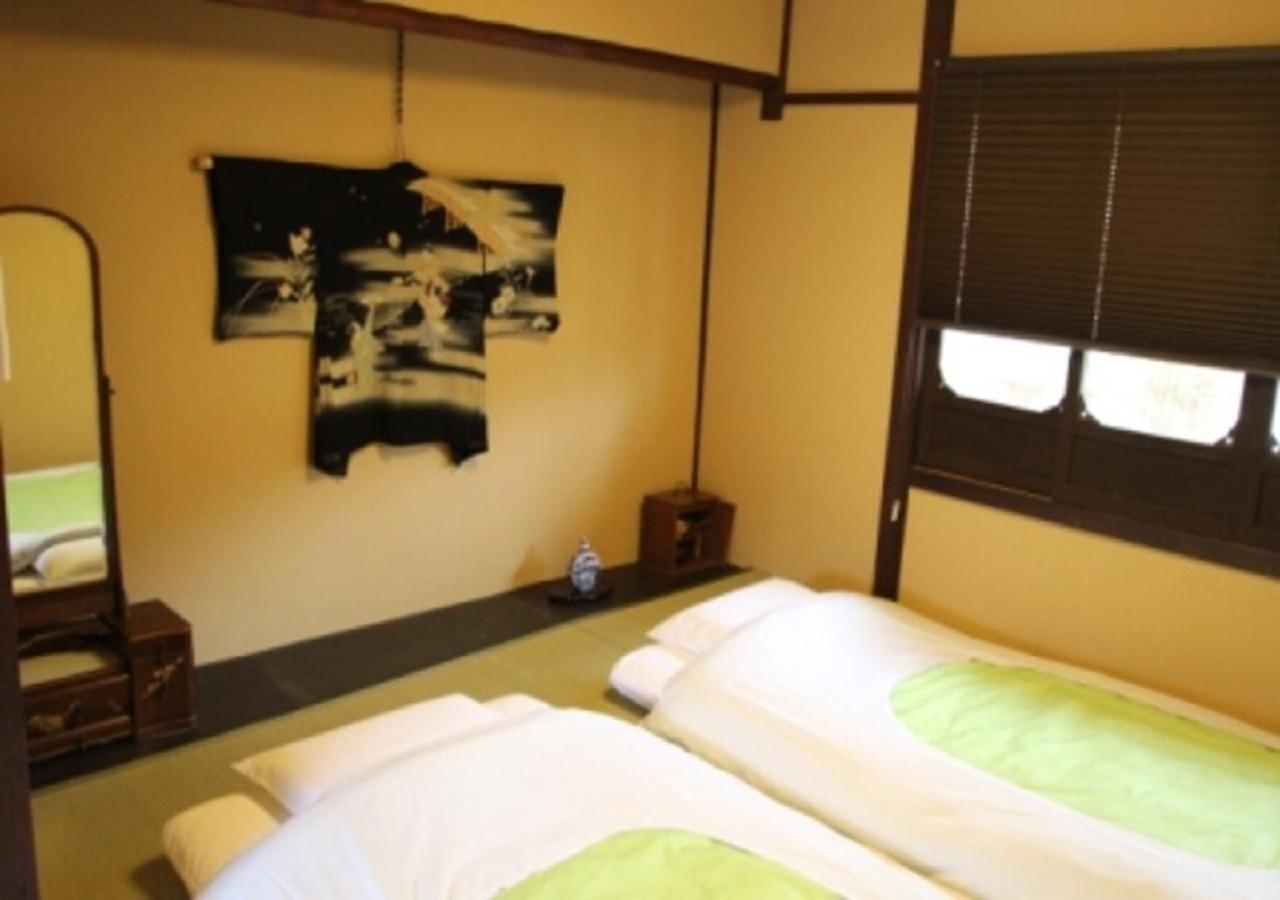 二階 寝室 1