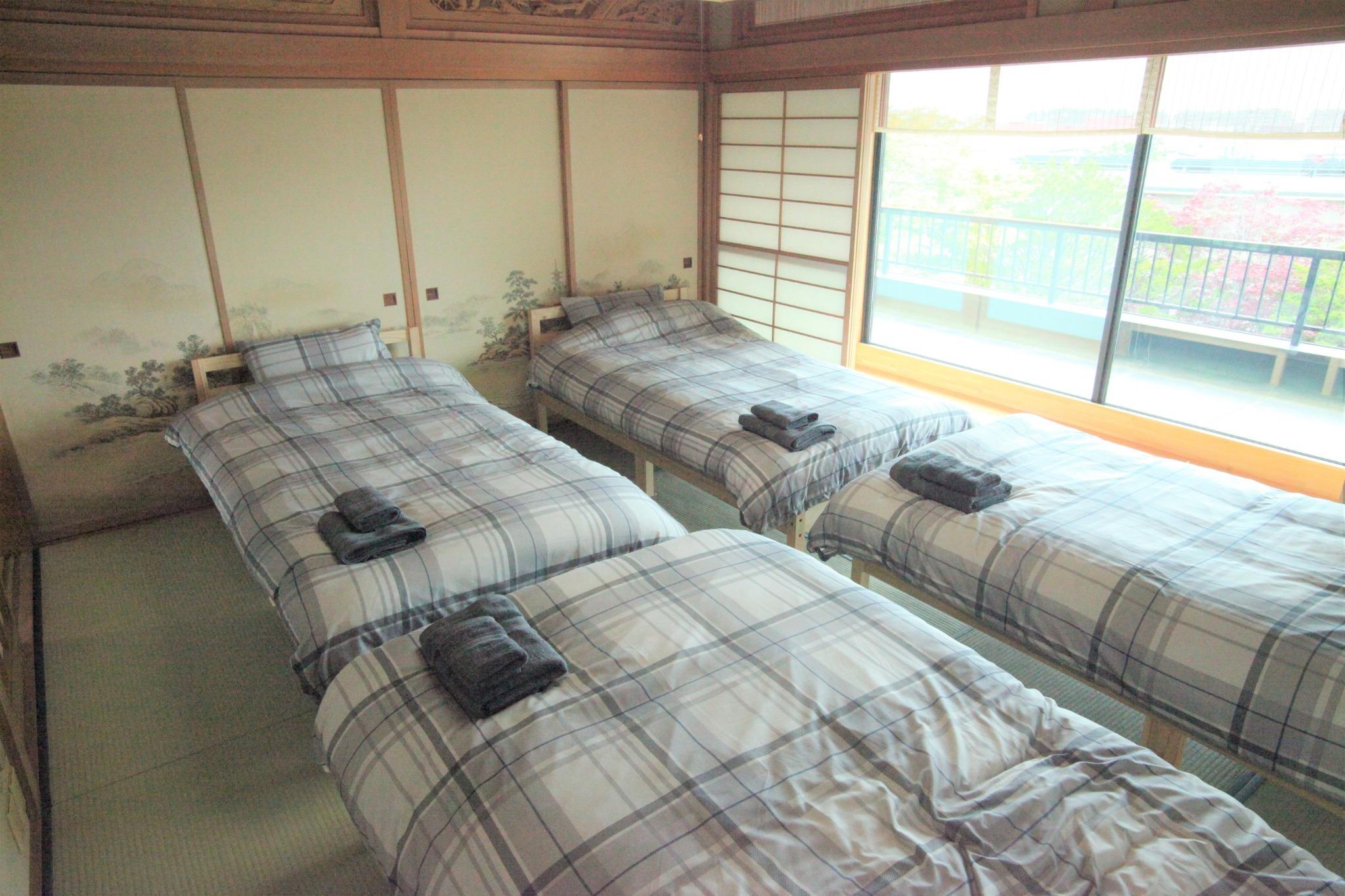 和室4名部屋(ベッド)2 2F
