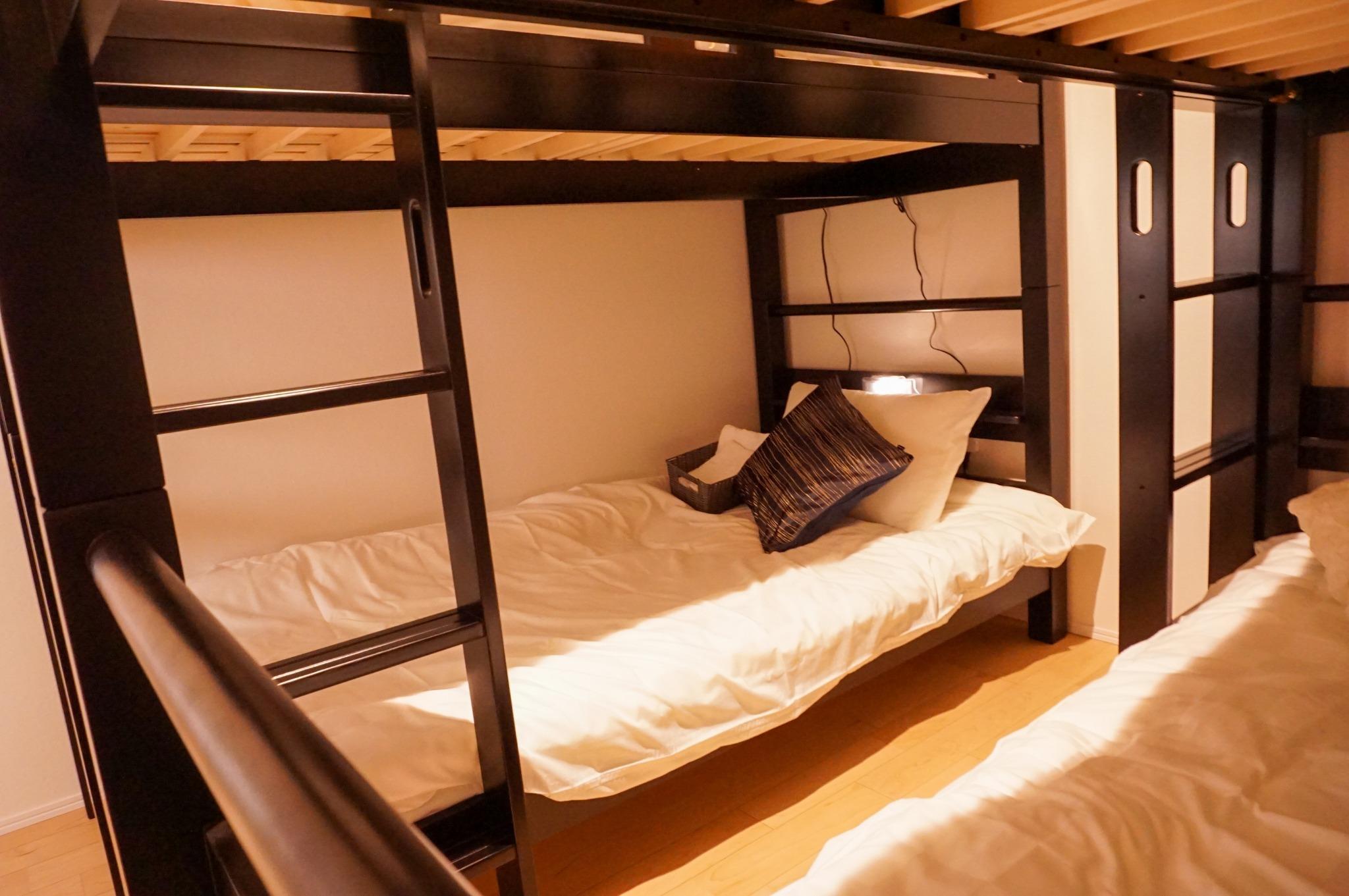 女性専用ドミトリー(2段ベッド・最大4名), 海まで徒歩2分, Wifi, シャワー, キッチン完備