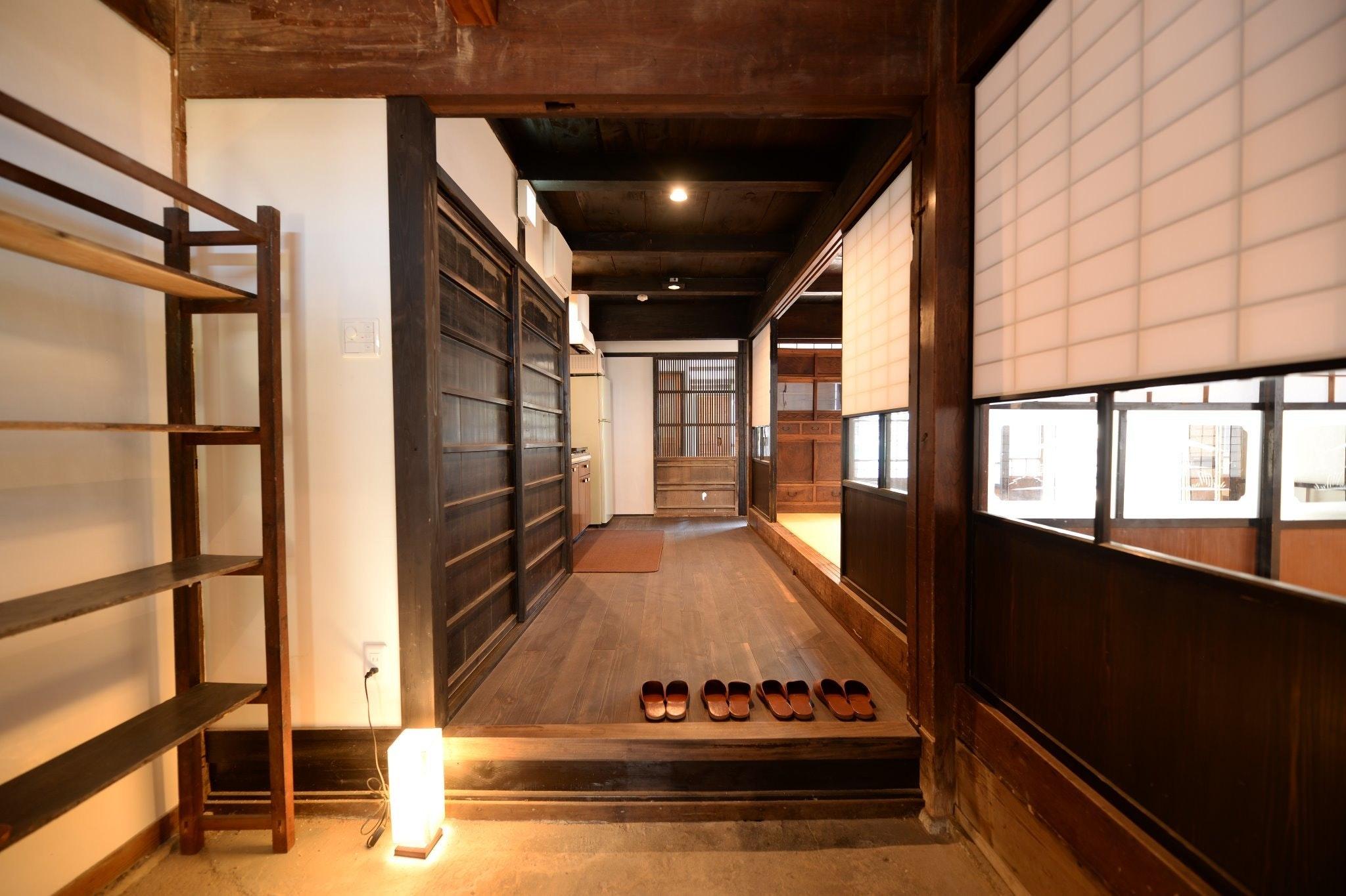 客室やテラスから絶景の海。築100年の古民家をリノベーションした貸切別邸。