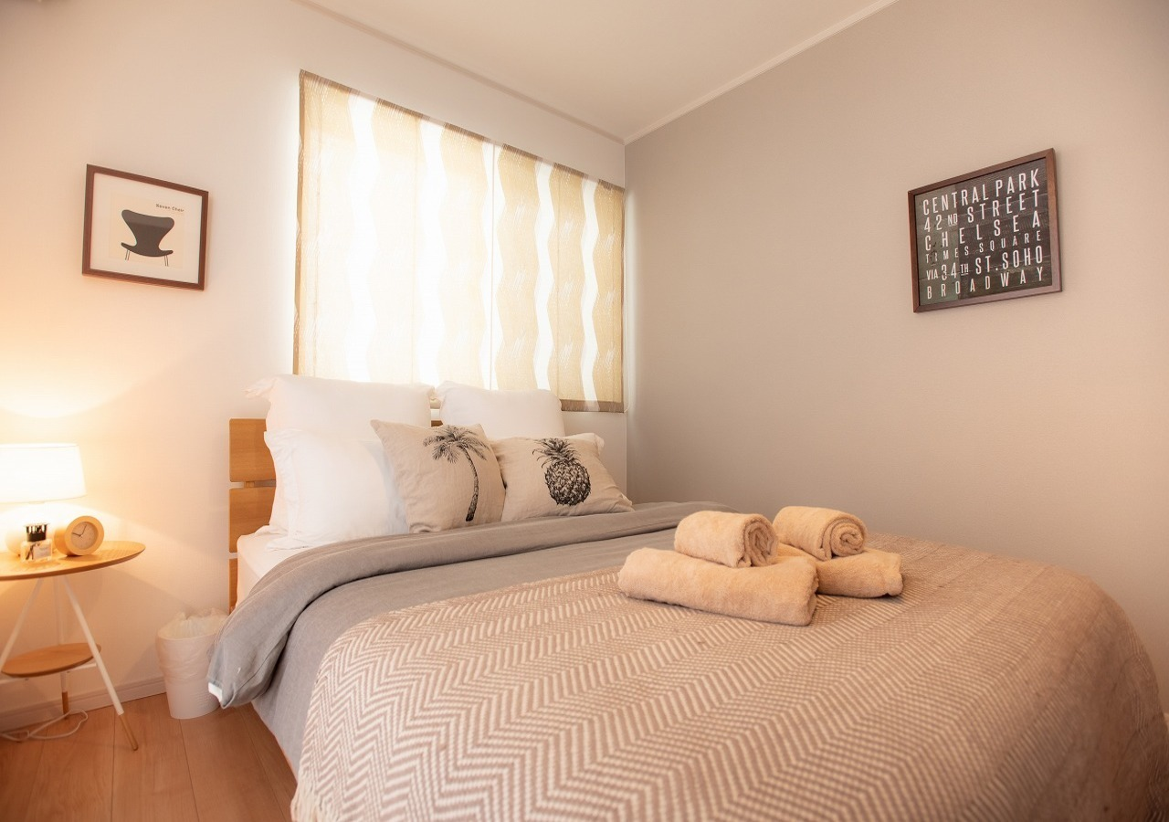 Bed Room 1 / ベッドルーム 1