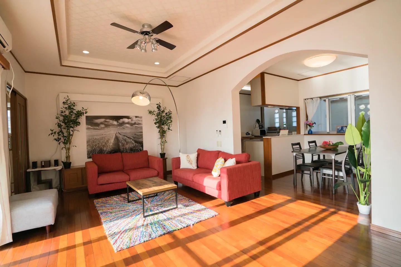 Living Room / リビングルーム