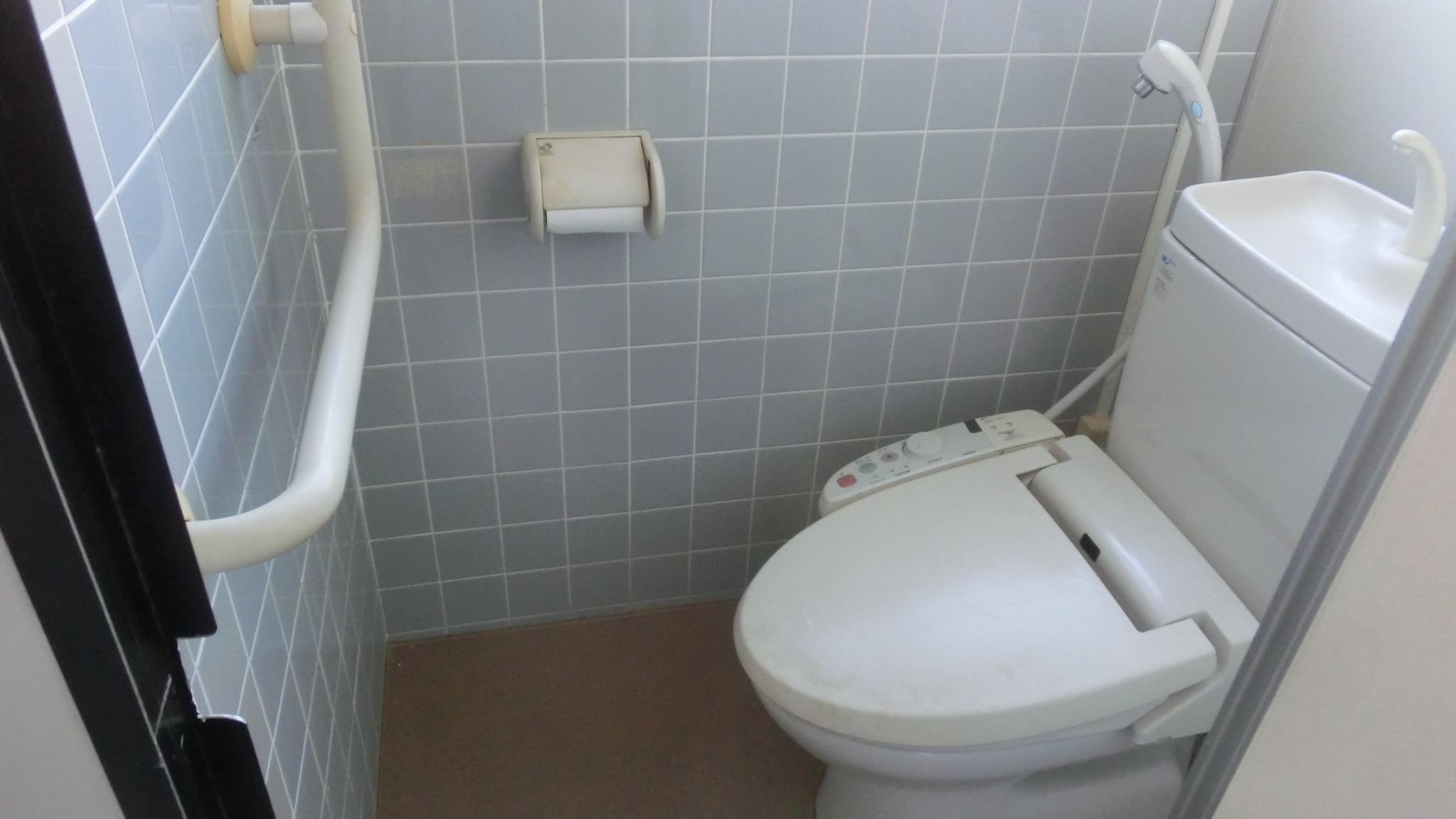 トイレはウオシュレットが2つ