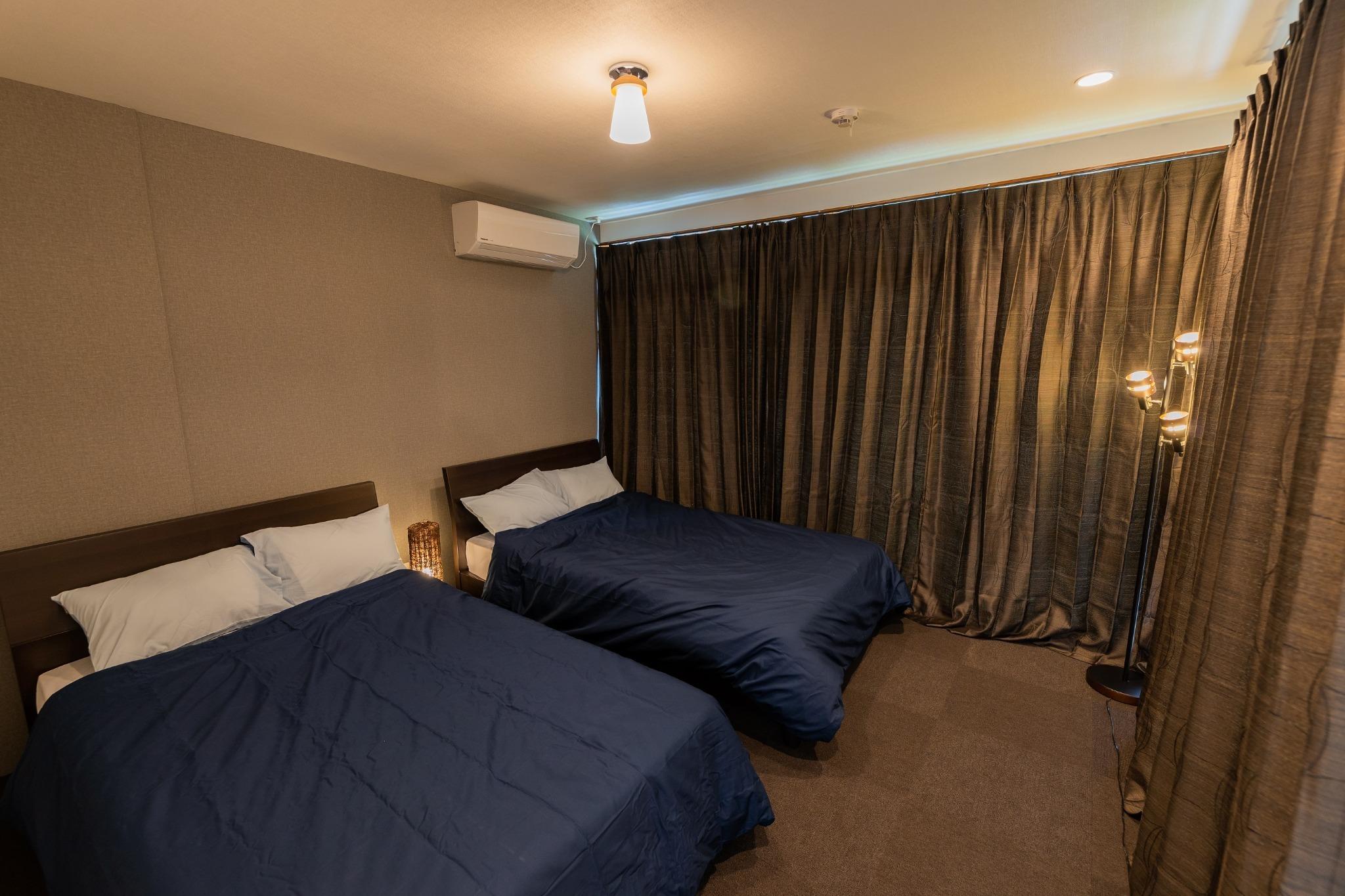 寝室2 セミダブルベット×2