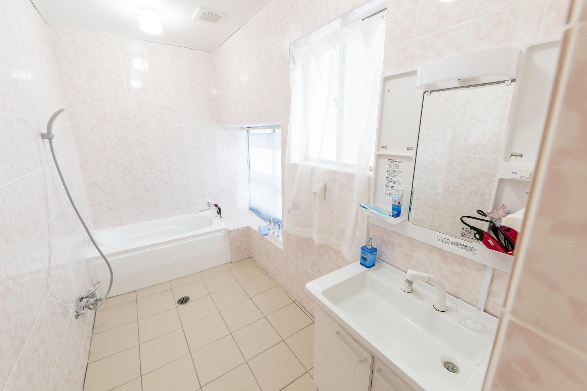 バスルームも広くてきれいです♪