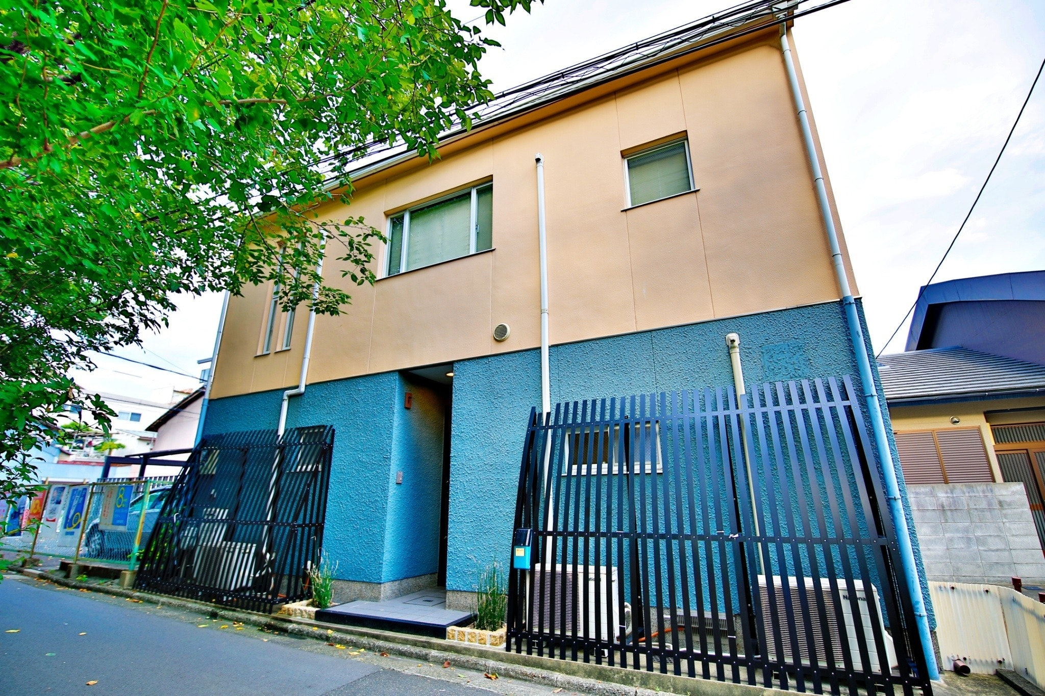 京都駅も徒歩圏内で一軒家貸切!アクセス抜群で広々空間!MK105