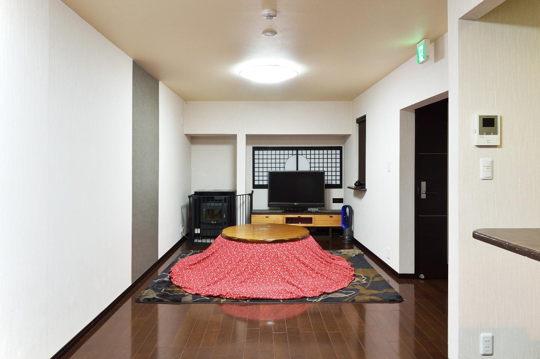 Living room in Kotatsu (Winter)