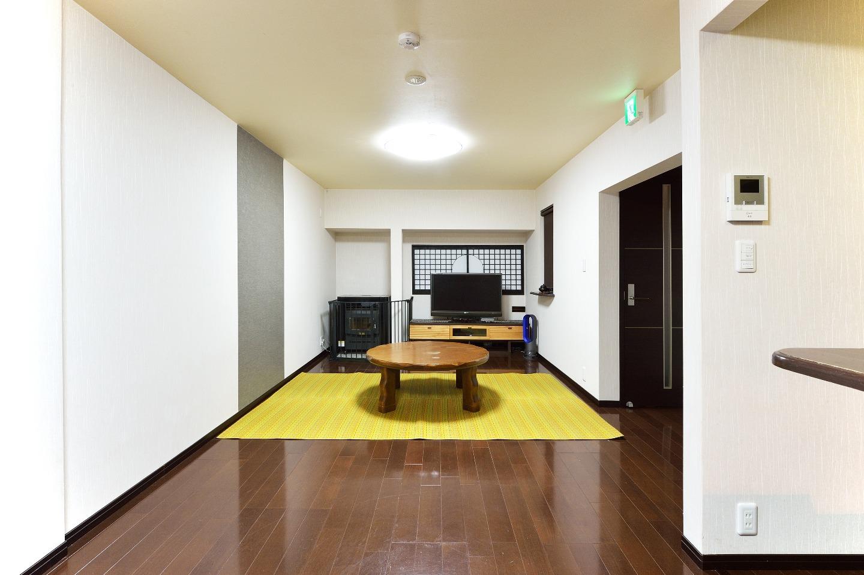 Living Room (Spring ~ Summer)