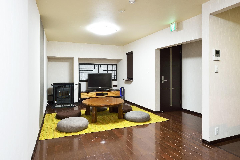 Living Room (Spring~ Summer)