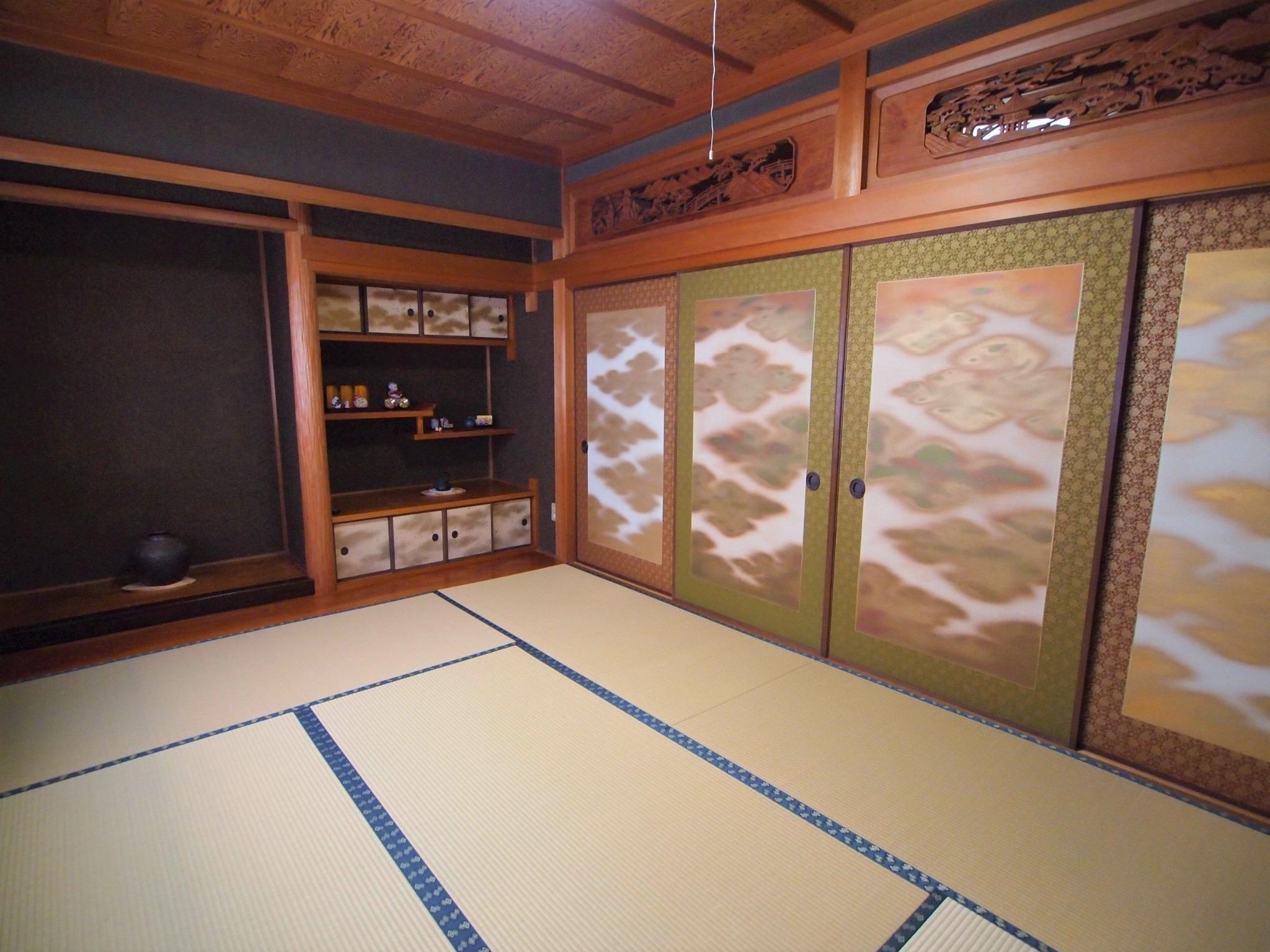 床の間と書院のある和室6畳