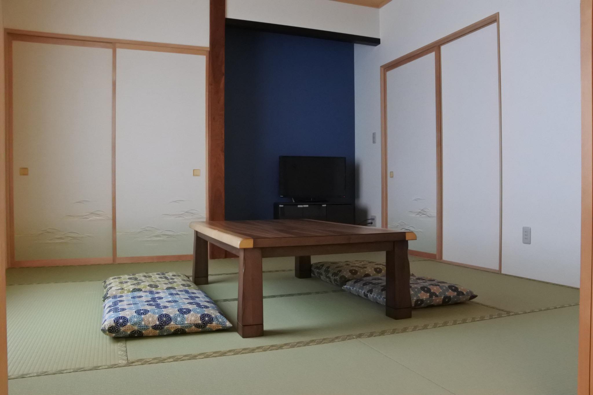 和室3組の布団が用意されており3人の宿泊ができます。