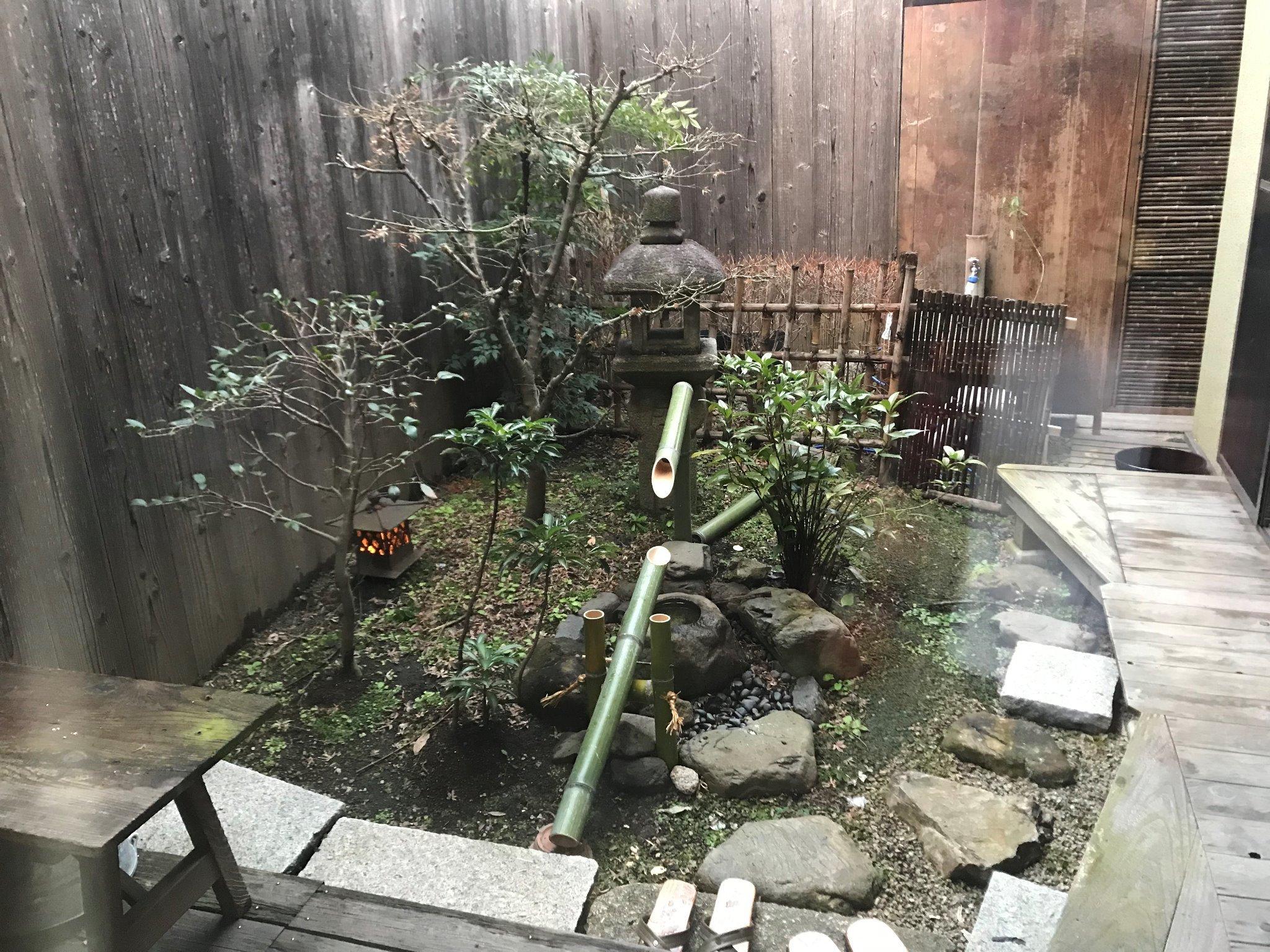 鹿威しのある庭