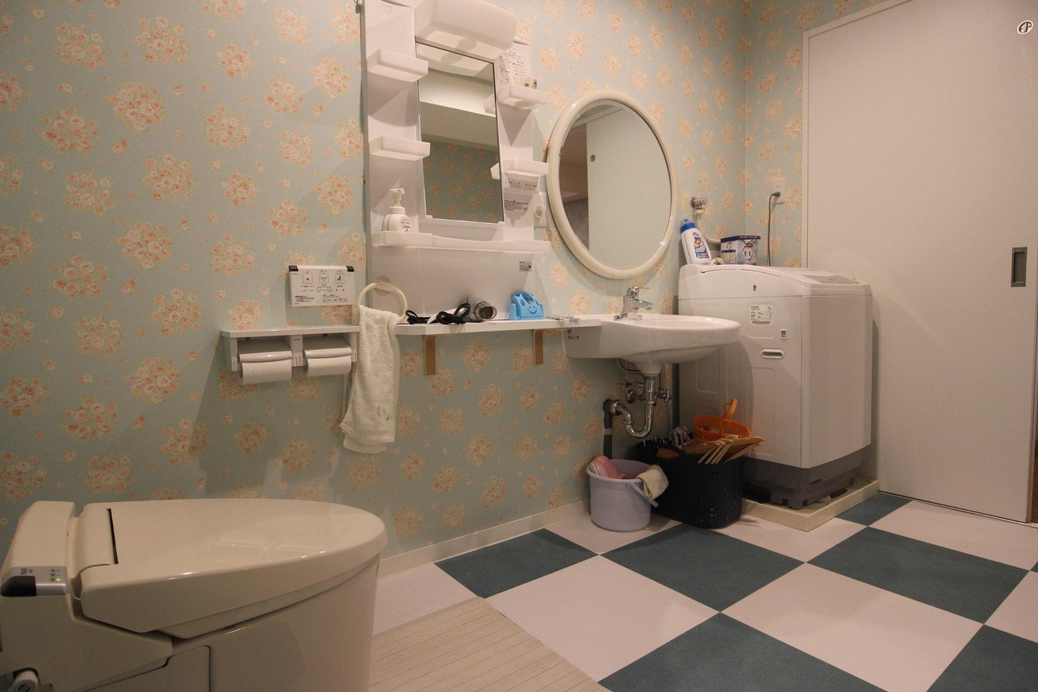 ★バリアフリー完全対応!玄関・お部屋・バスルームすべて段差のないフラットな1R★電動式ベッドも完備