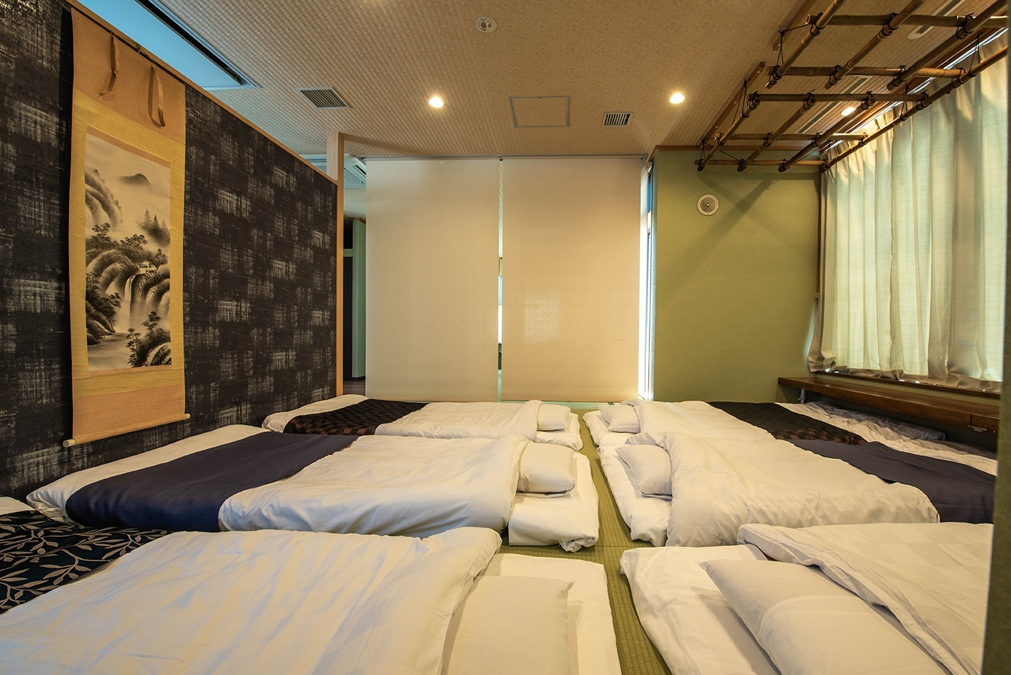 Great experience of Japanese traditional FUTON mattresses-6 single sized futon can be provided 布団を最大6組ご用意可能です。