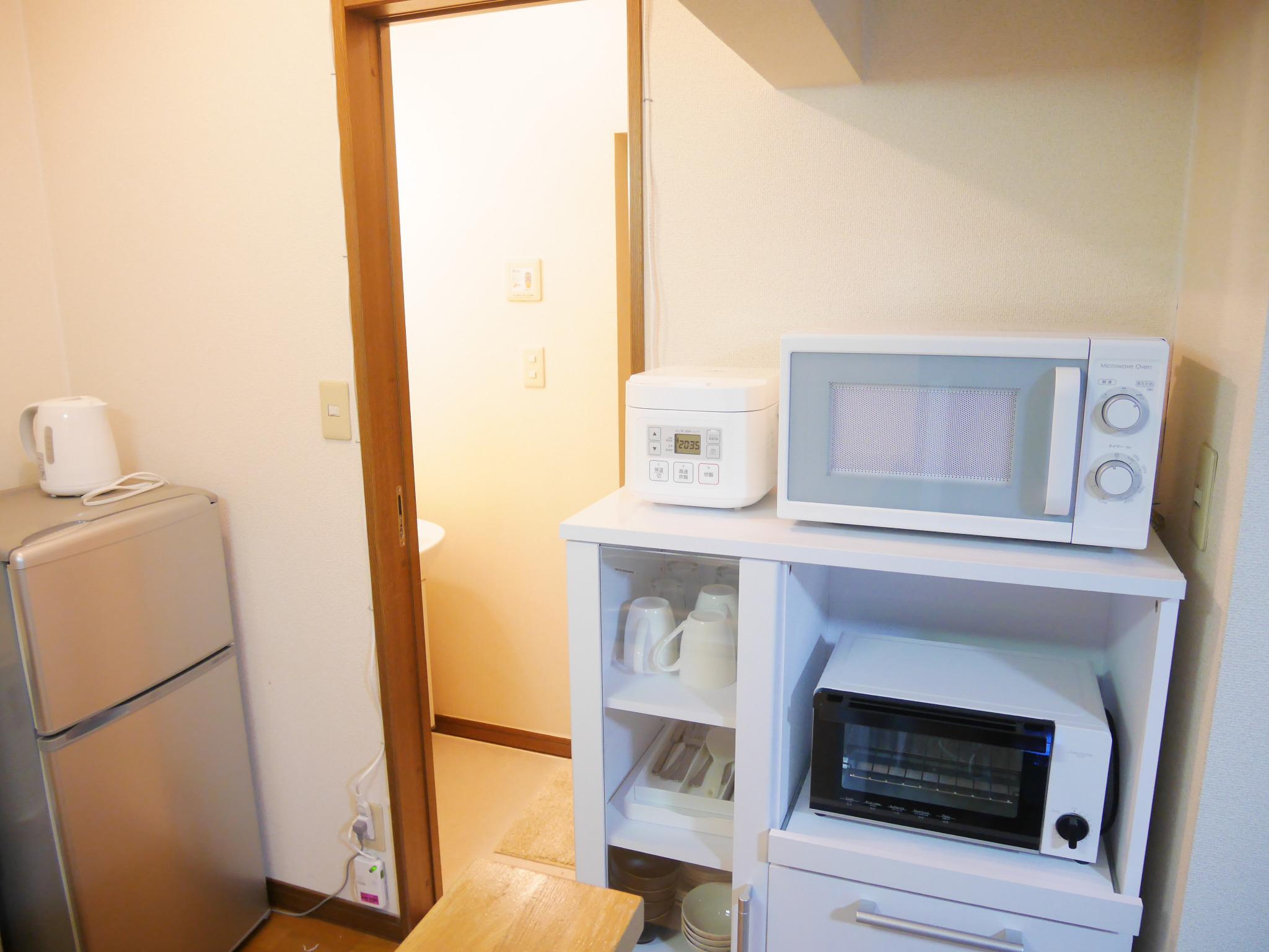 E101 札幌駅から1駅、JR苗穂駅徒歩4分の静かな場所にあるアパートです。