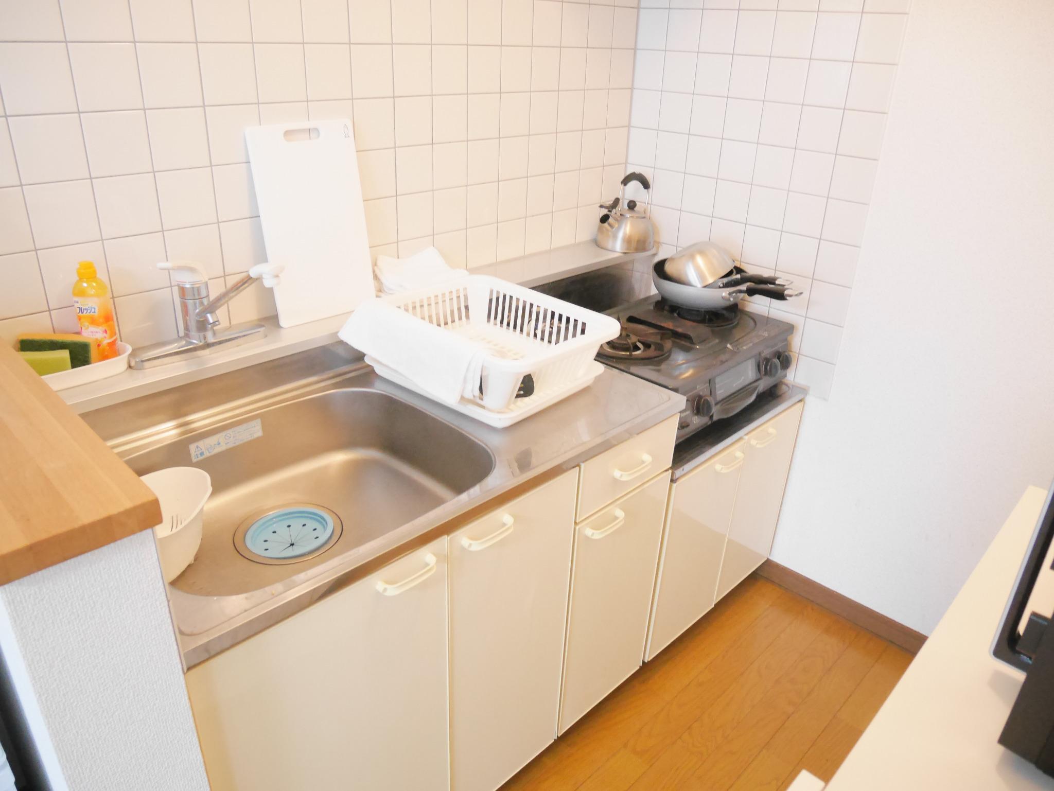 E102 札幌駅から1駅、JR苗穂駅徒歩4分の静かな場所にあるアパートです。