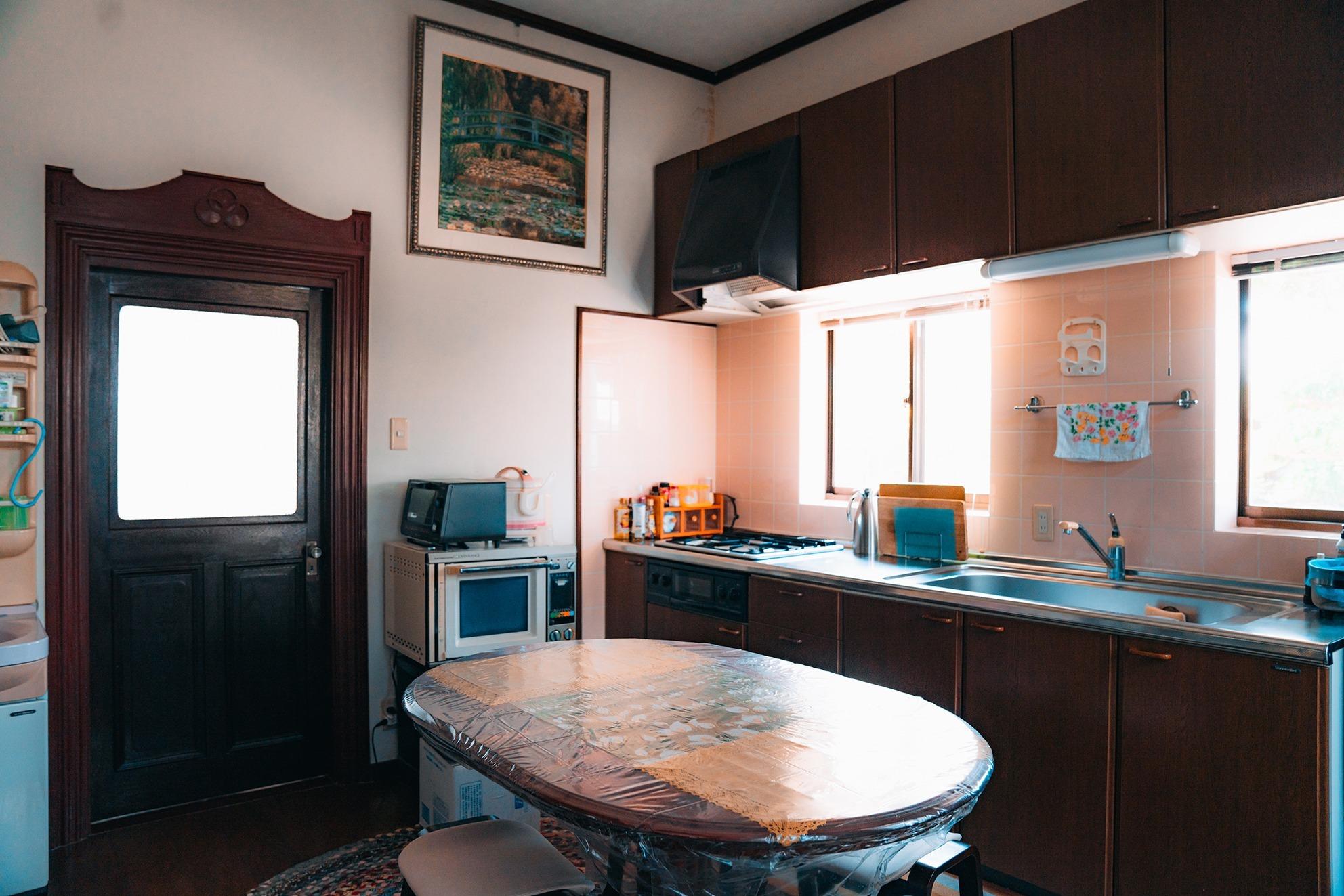 キッチン テーブル